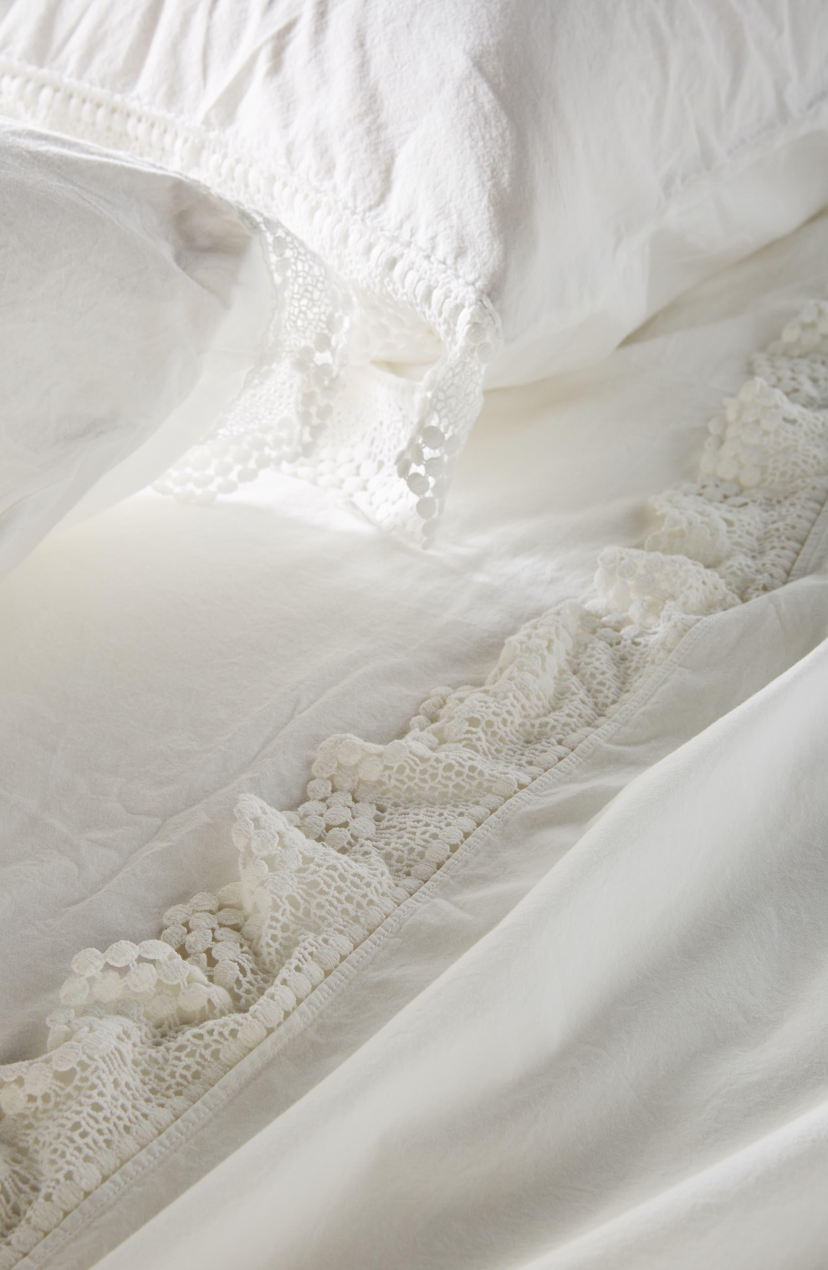 ANTHROPOLOGIE, Set of 2 Chevron Pillowcases, Alternate thumbnail 2, color, WHITE