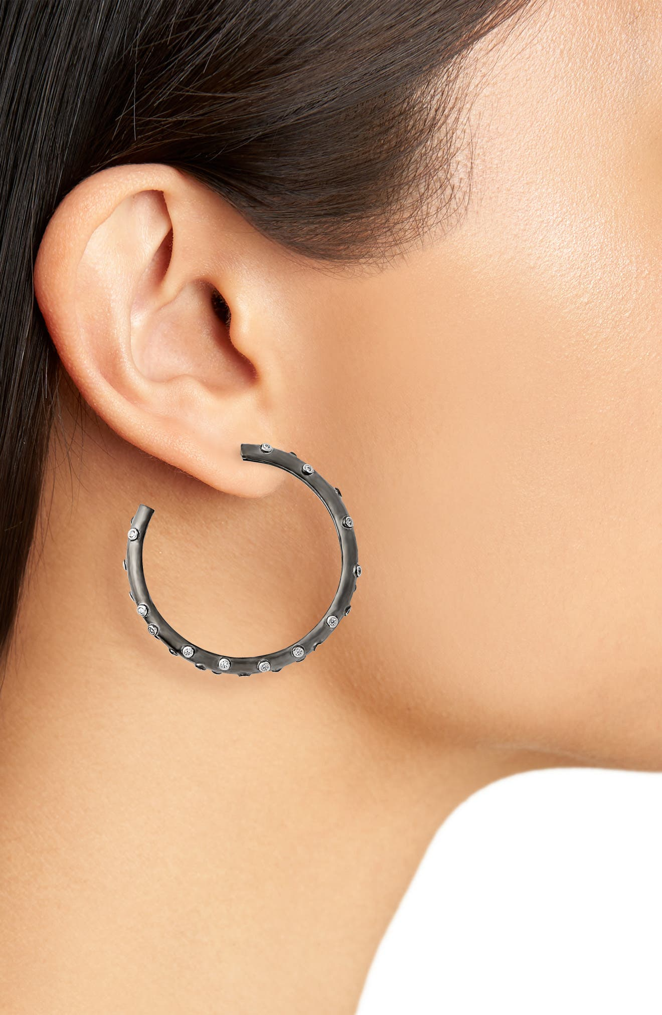 FREIDA ROTHMAN, Chunky C-Hoop Earrings, Alternate thumbnail 2, color, BLACK/ WHITE/ SILVER