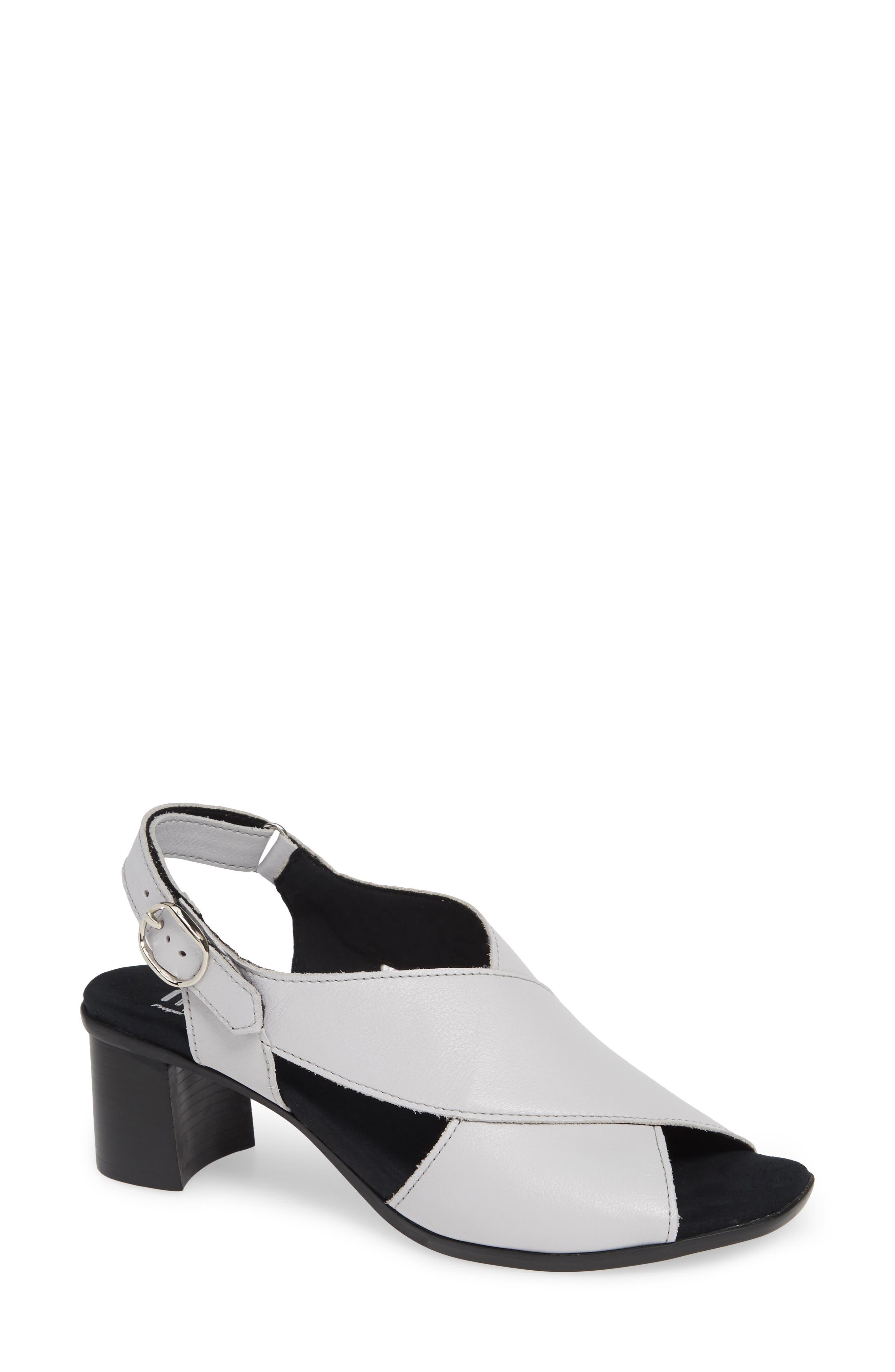 MUNRO, Laine Block Heel Sandal, Main thumbnail 1, color, WHITE LEATHER