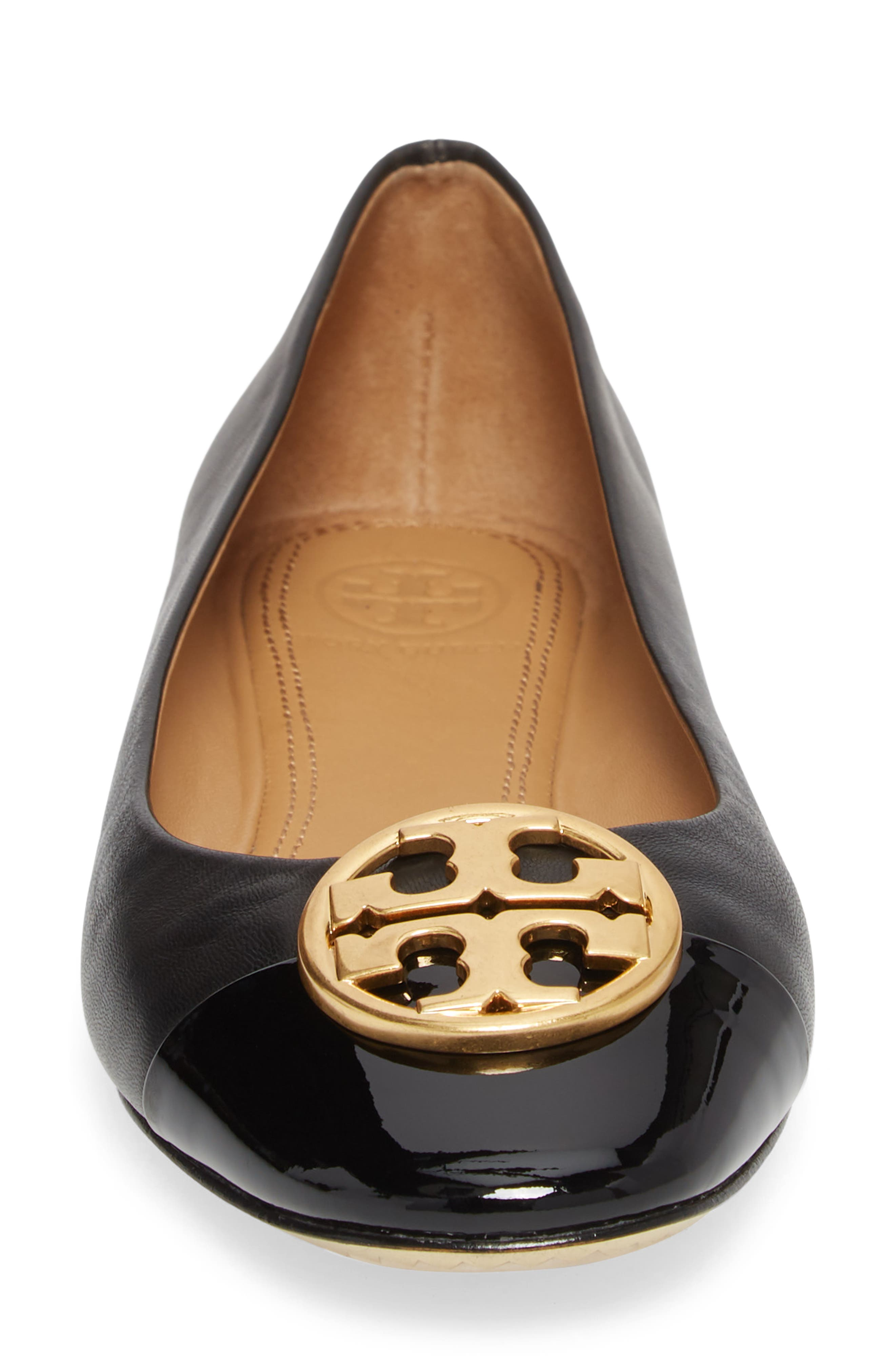 TORY BURCH, Chelsea Cap Toe Ballet Flat, Alternate thumbnail 4, color, BLACK