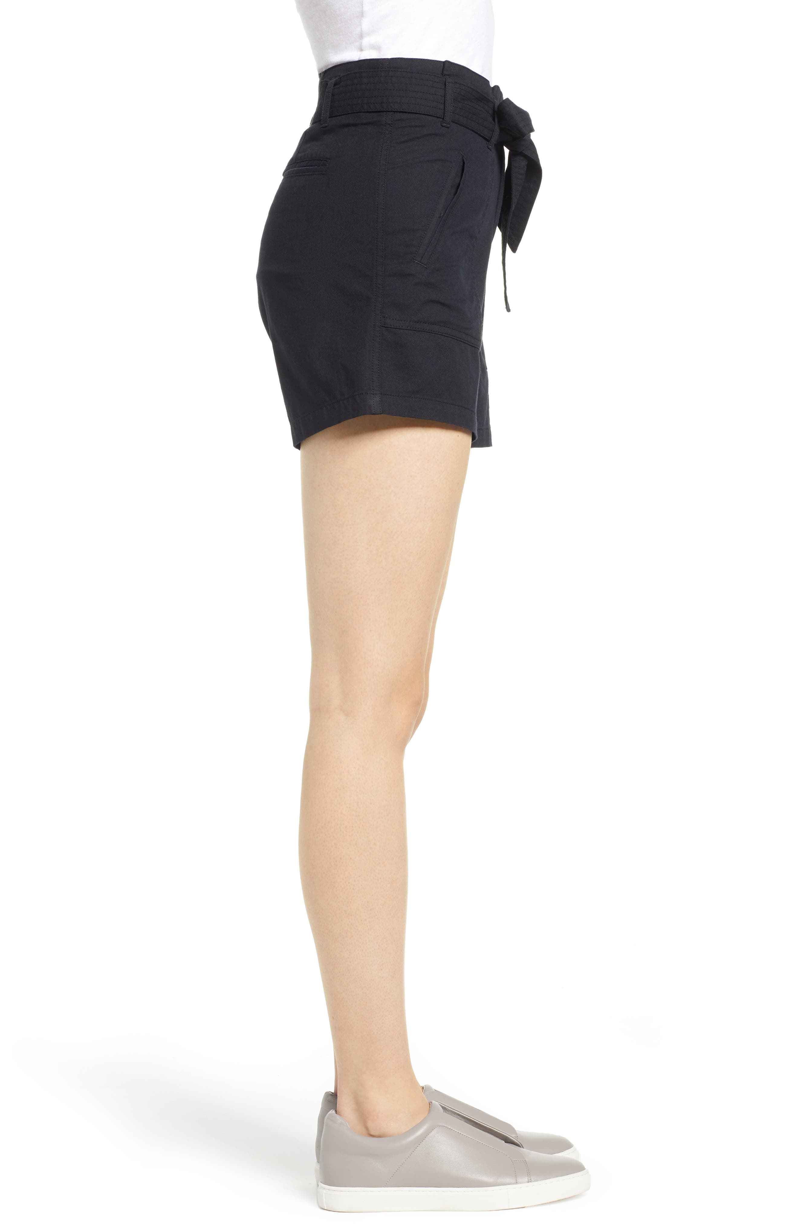 CASLON<SUP>®</SUP>, Belted Twill Shorts, Alternate thumbnail 3, color, BLACK