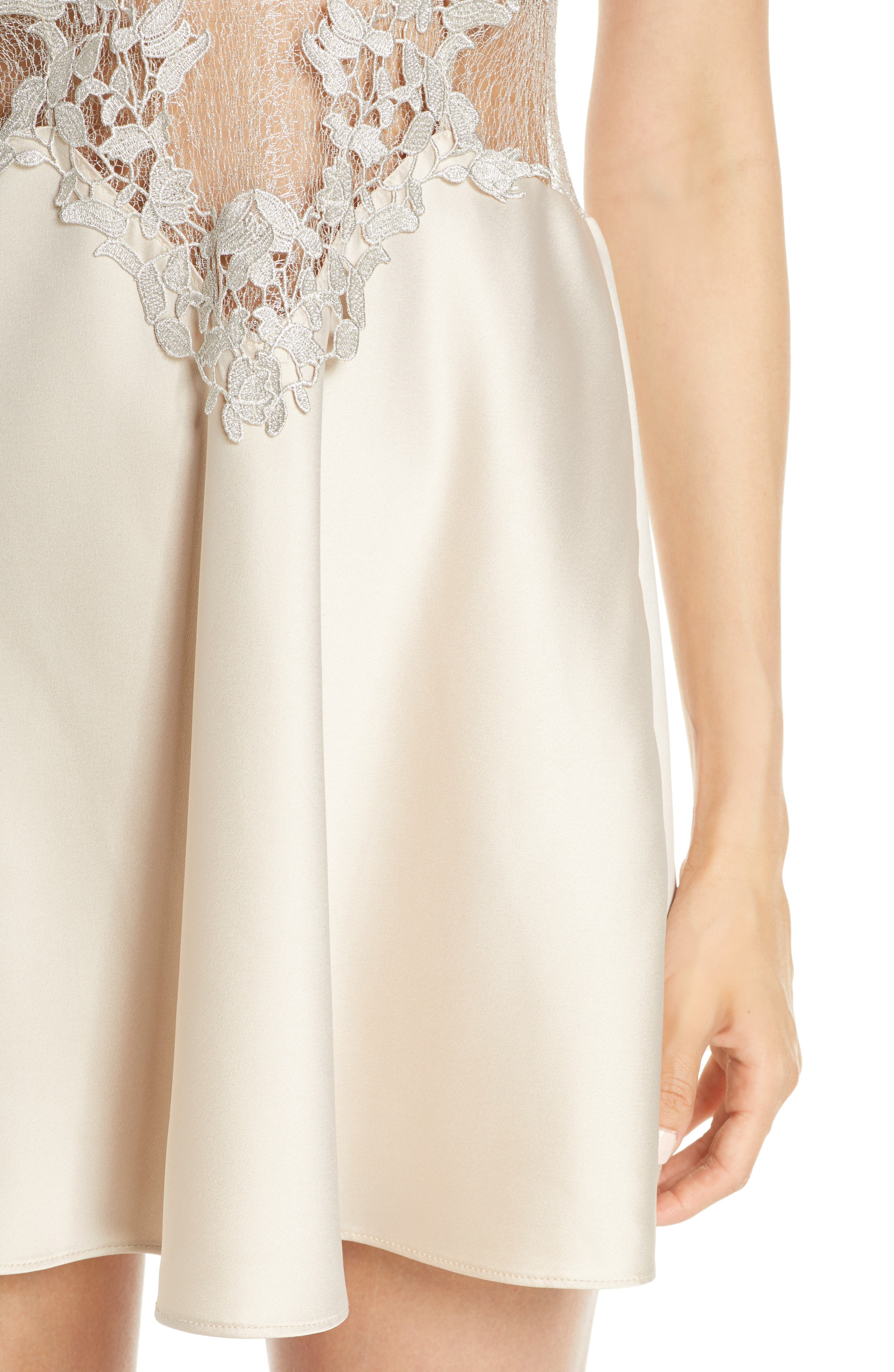 FLORA NIKROOZ, Showstopper Chemise, Alternate thumbnail 4, color, CHAMPAGNE