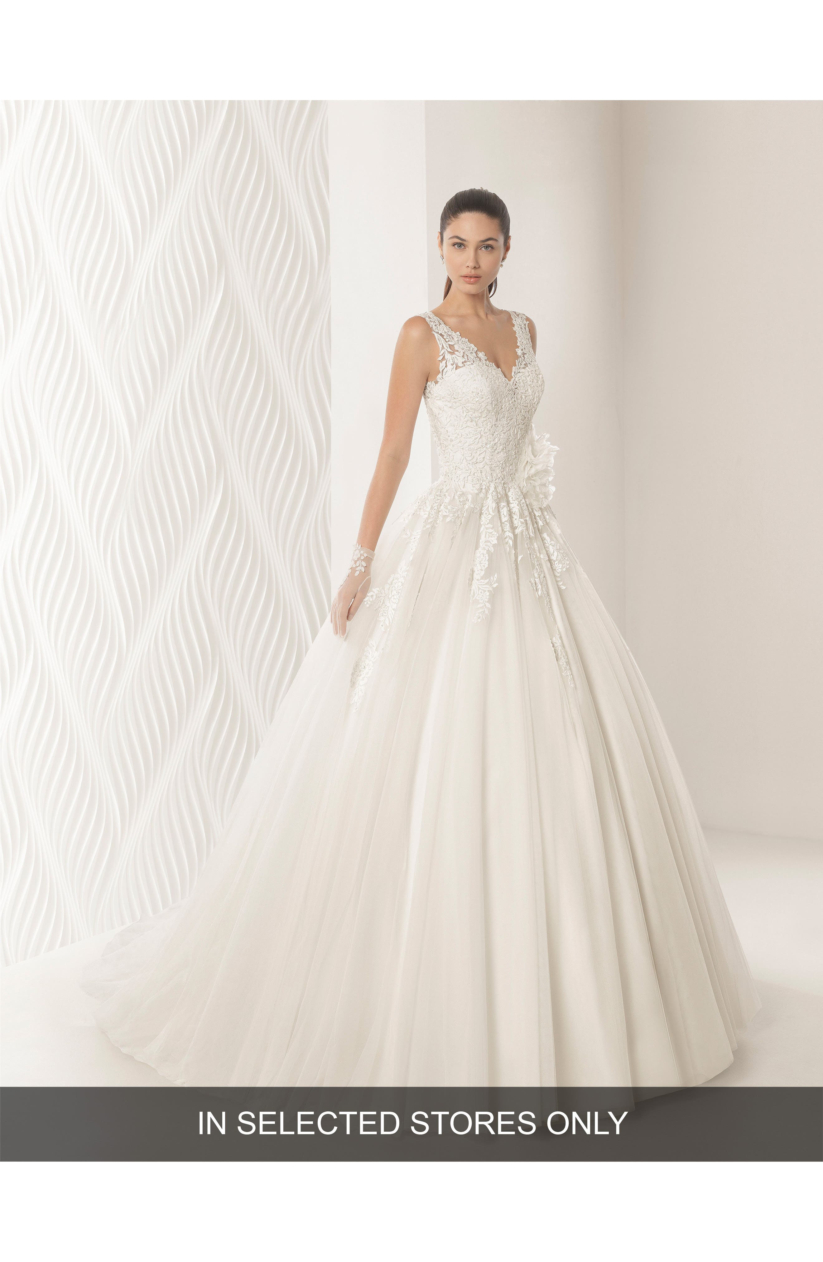 ROSA CLARÁ Octubre Lace & Tulle Ballgown, Main, color, NATURAL