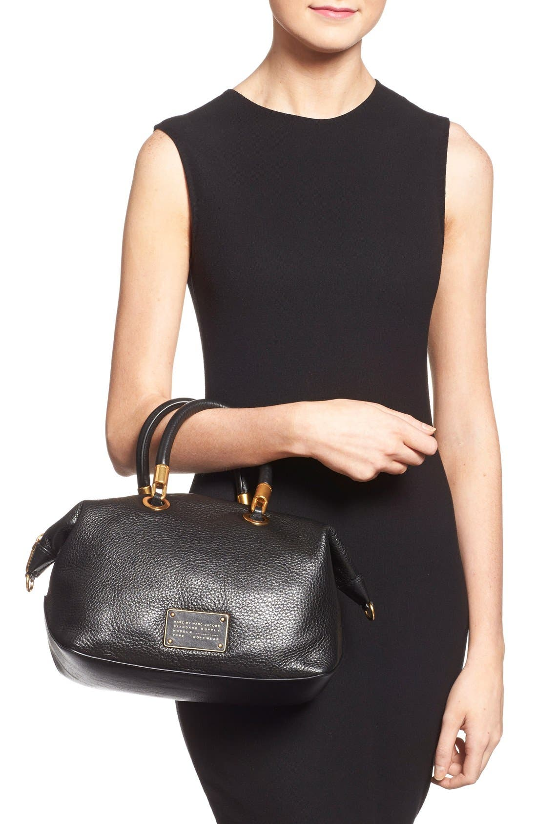 MARC JACOBS, MARC BY MARC JACOBS 'New Too Hot to Handle' Leather Satchel, Alternate thumbnail 5, color, 001