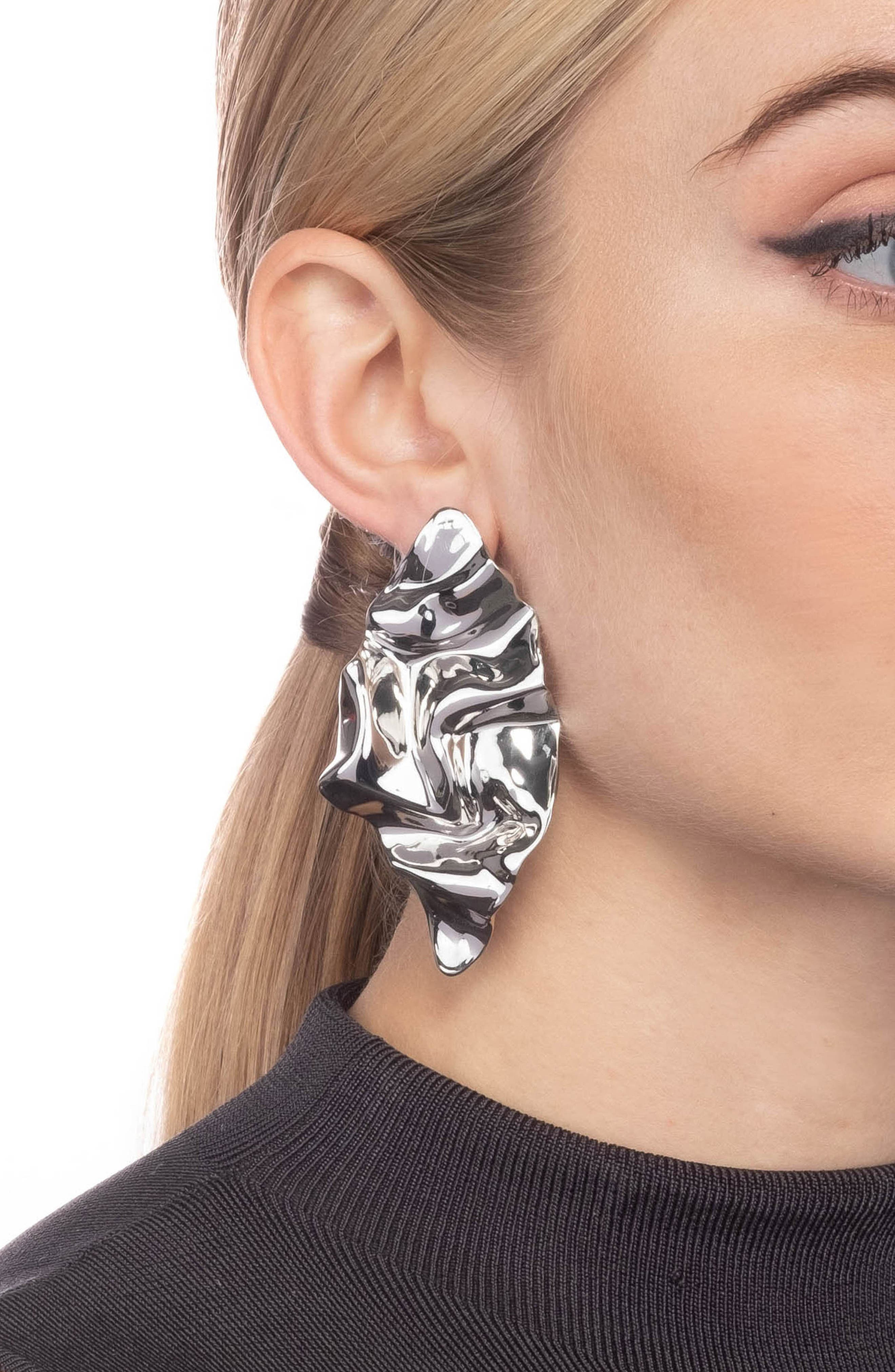 ALEXIS BITTAR, Crumpled Drop Earrings, Alternate thumbnail 2, color, SILVER