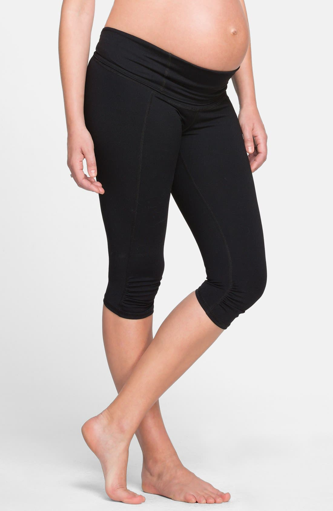 INGRID & ISABEL<SUP>®</SUP>, Knee Length Active Maternity Pants with Crossover Panel, Alternate thumbnail 3, color, JET BLACK