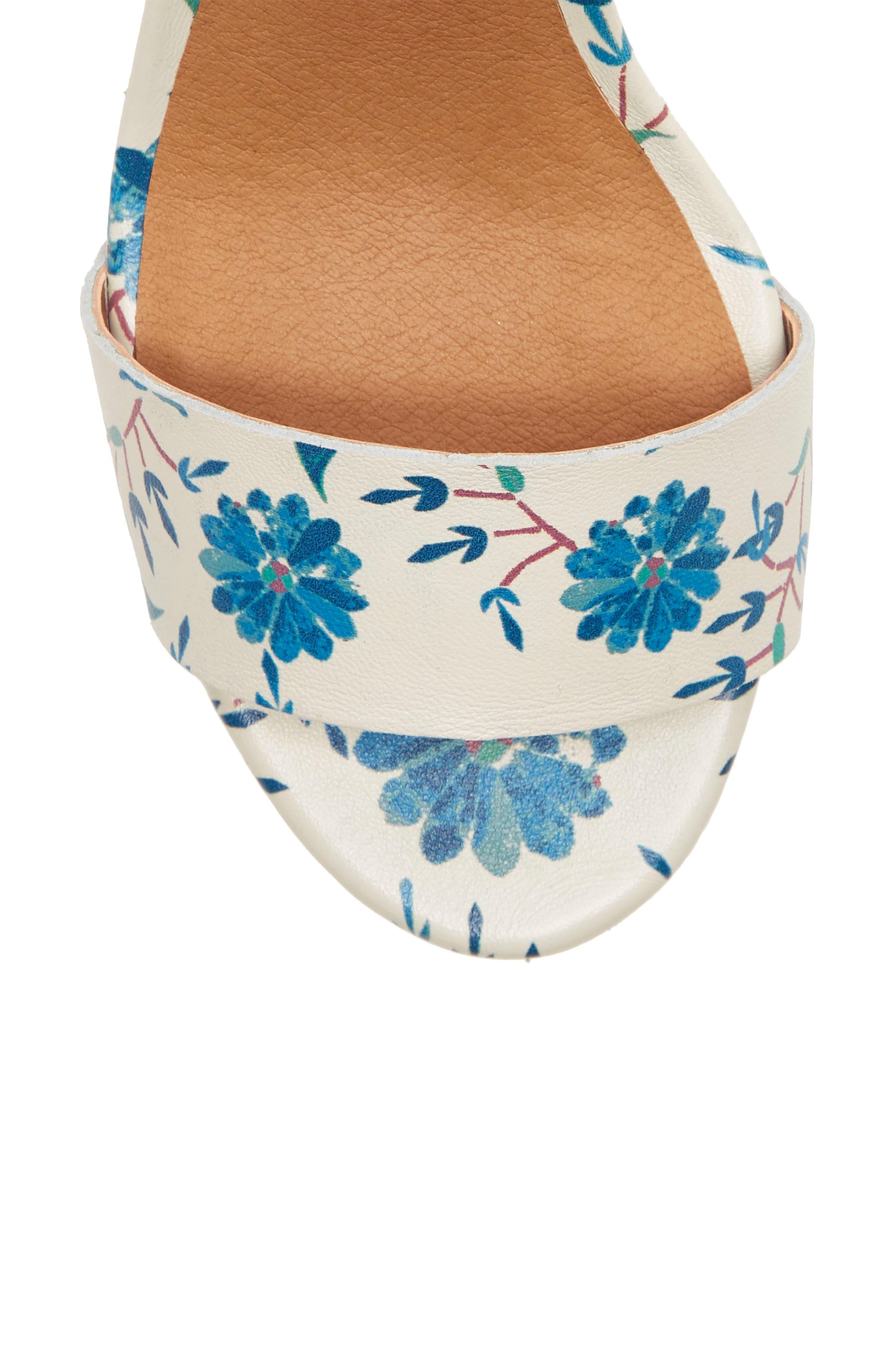LUCKY BRAND, Trisa Platform Sandal, Alternate thumbnail 8, color, BIRCH LEATHER