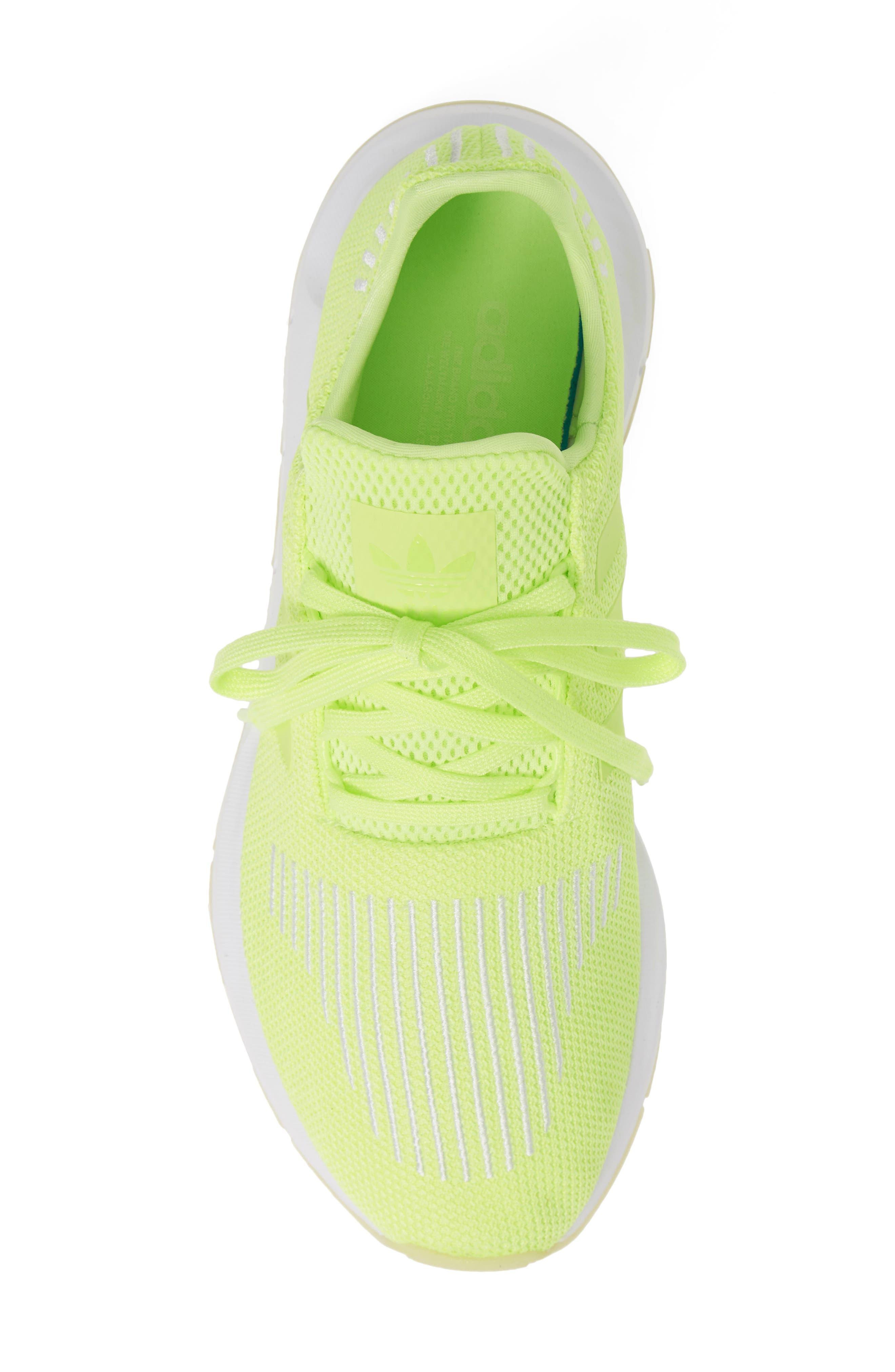 ADIDAS, Swift Run Running Shoe, Alternate thumbnail 5, color, YELLOW/ WHITE
