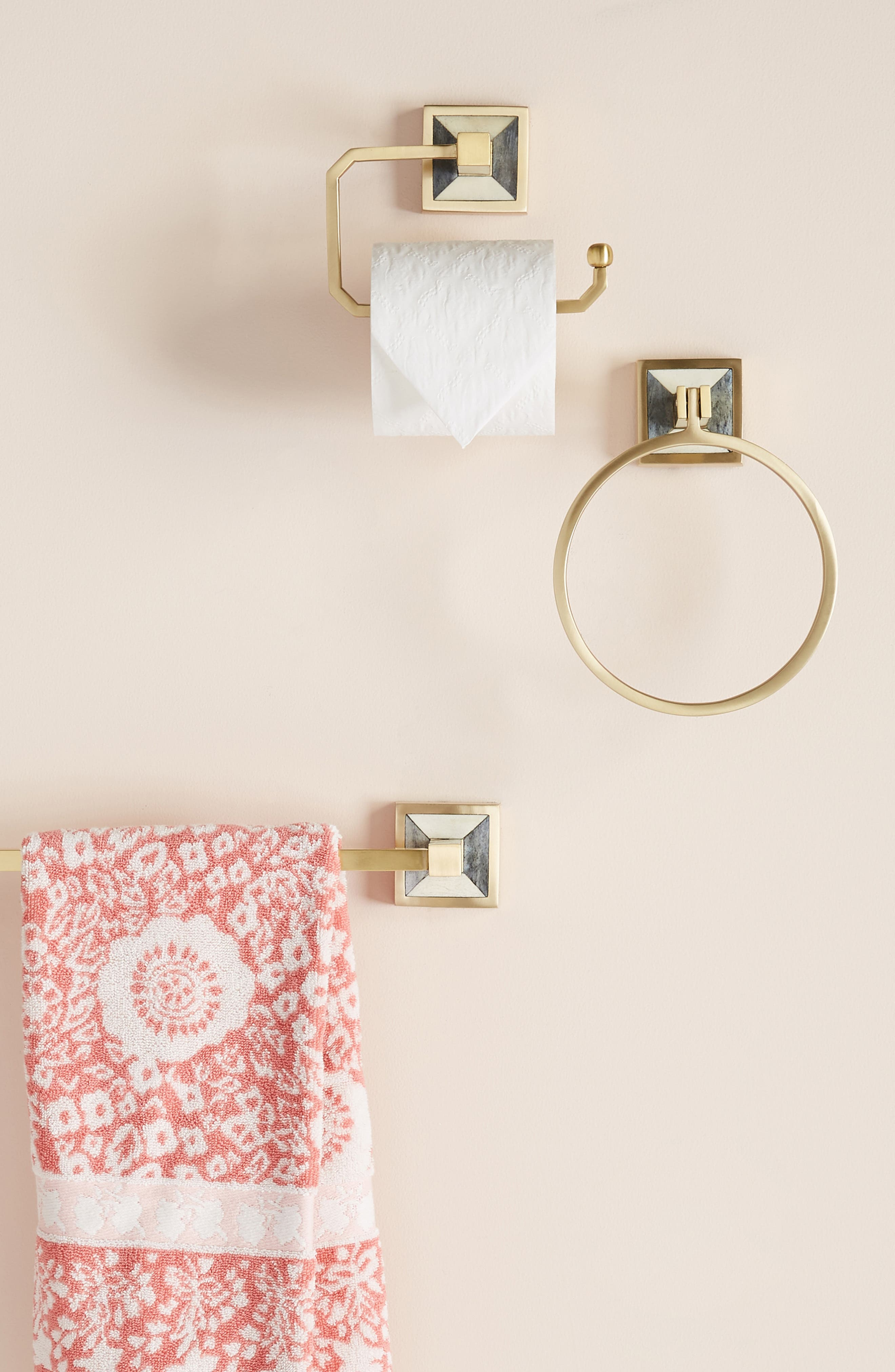ANTHROPOLOGIE, Cayenne Towel Ring, Alternate thumbnail 3, color, 442