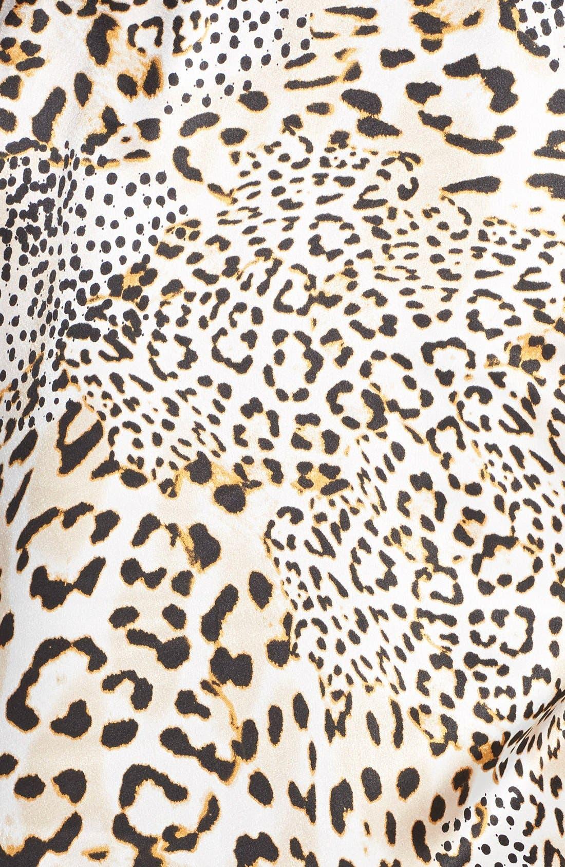 OSCAR DE LA RENTA, Sleepwear Cheetah Print Caftan, Alternate thumbnail 2, color, 250