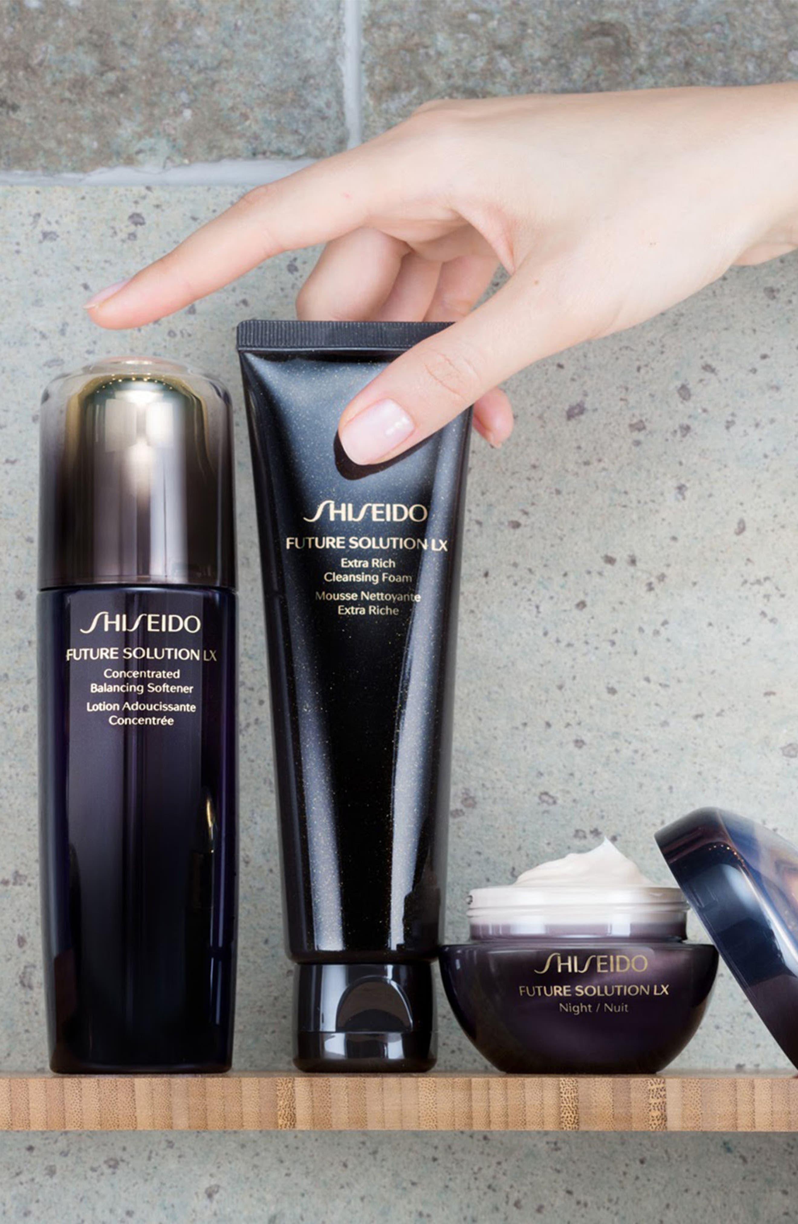 SHISEIDO, Future Solution LX Concentrated Balancing Softener, Alternate thumbnail 4, color, NO COLOR