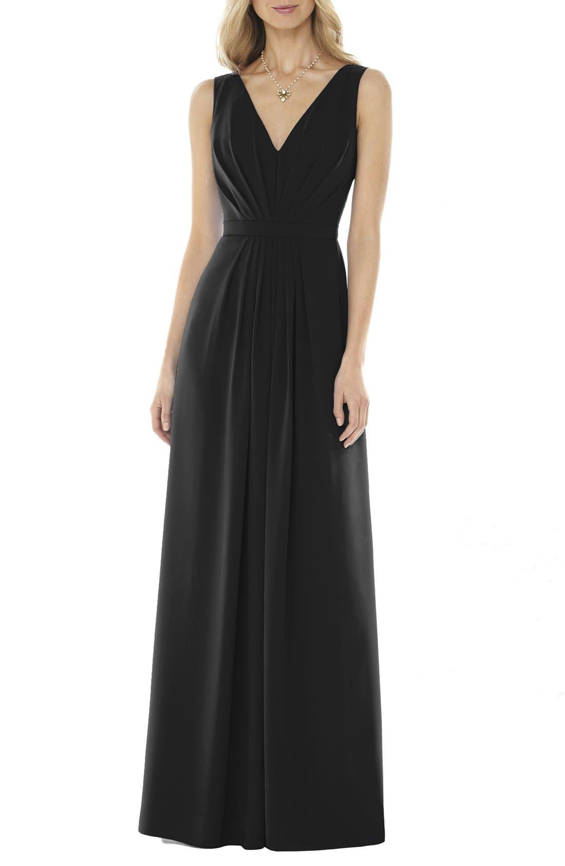Social Bridesmaids V-Neck Georgette Gown, Black