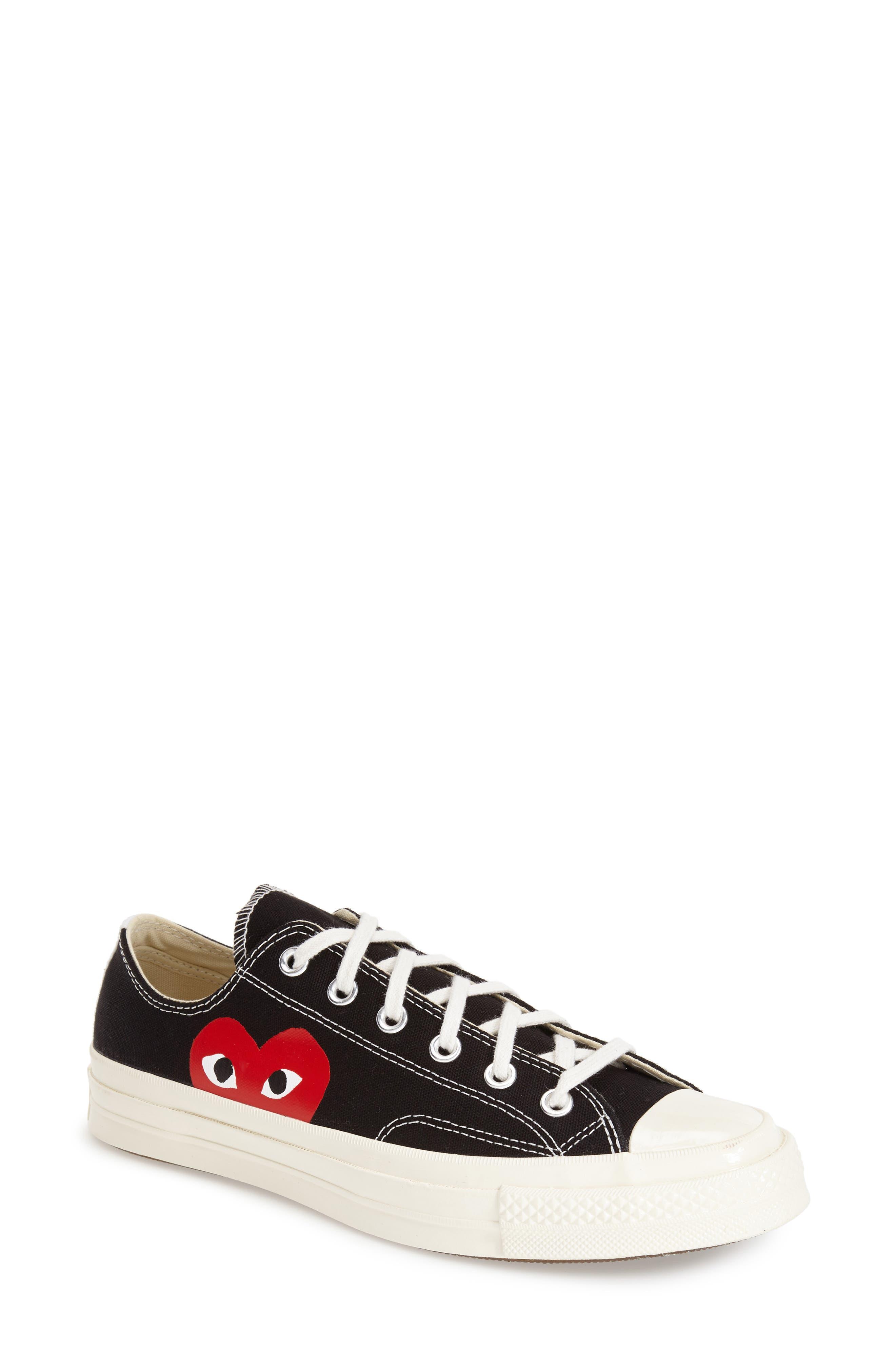 COMME DES GARÇONS PLAY, x Converse Chuck Taylor<sup>®</sup> Hidden Heart Low Top Sneaker, Alternate thumbnail 4, color, BLACK