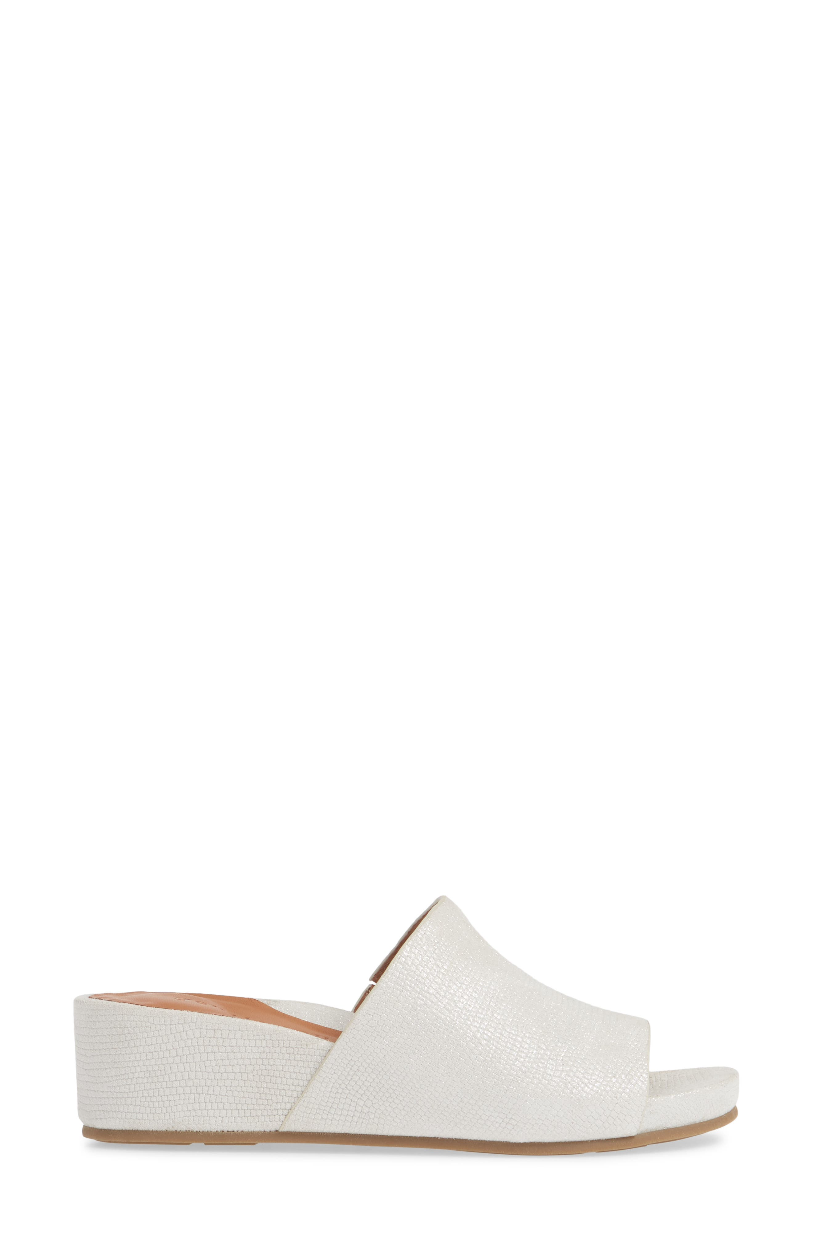 GENTLE SOULS BY KENNETH COLE, Gisele Wedge Slide Sandal, Alternate thumbnail 3, color, WHITE EMBOSSED LEATHER