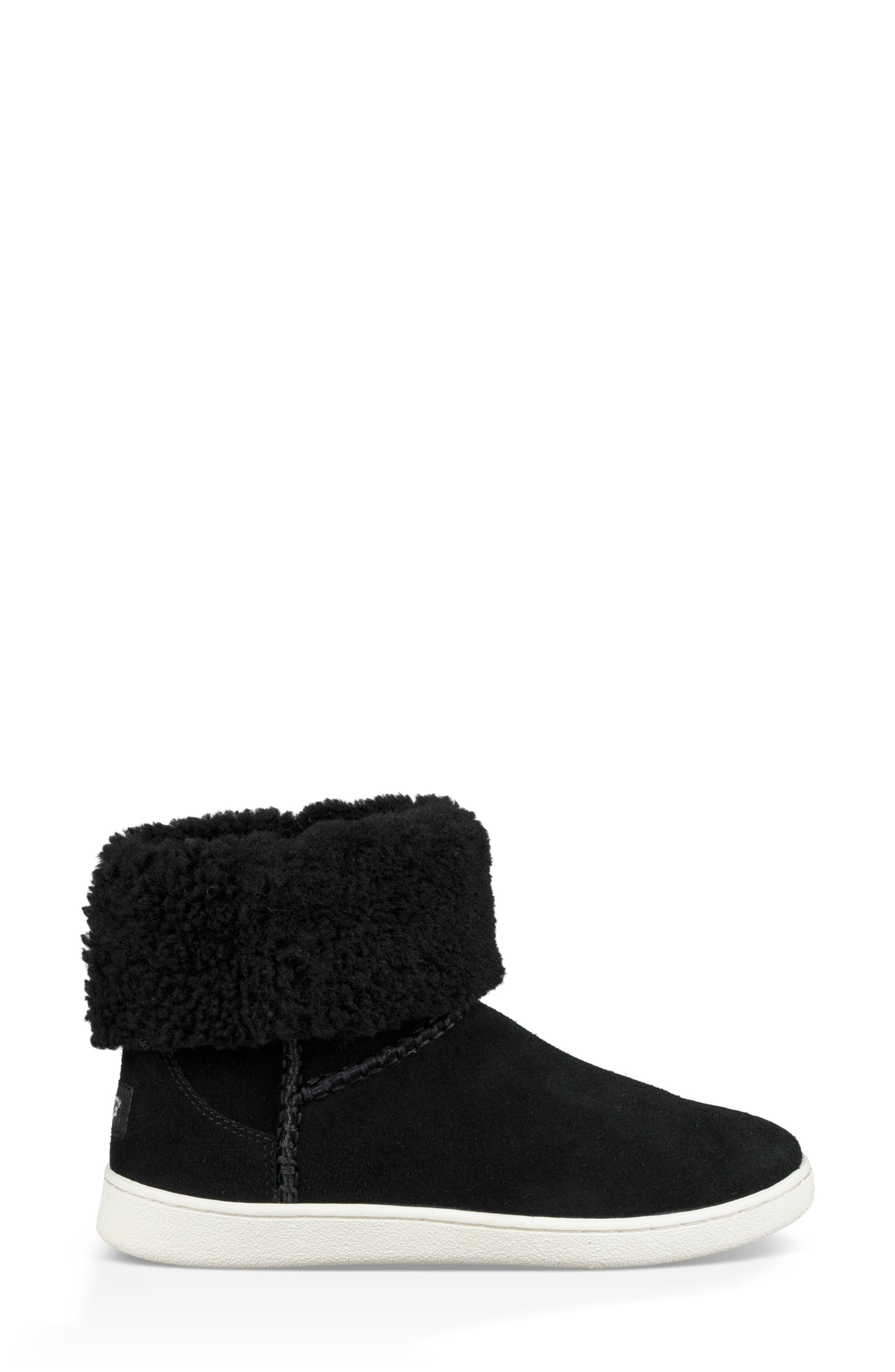 UGG<SUP>®</SUP>, Mika Classic Genuine Shearling Sneaker, Alternate thumbnail 4, color, BLACK