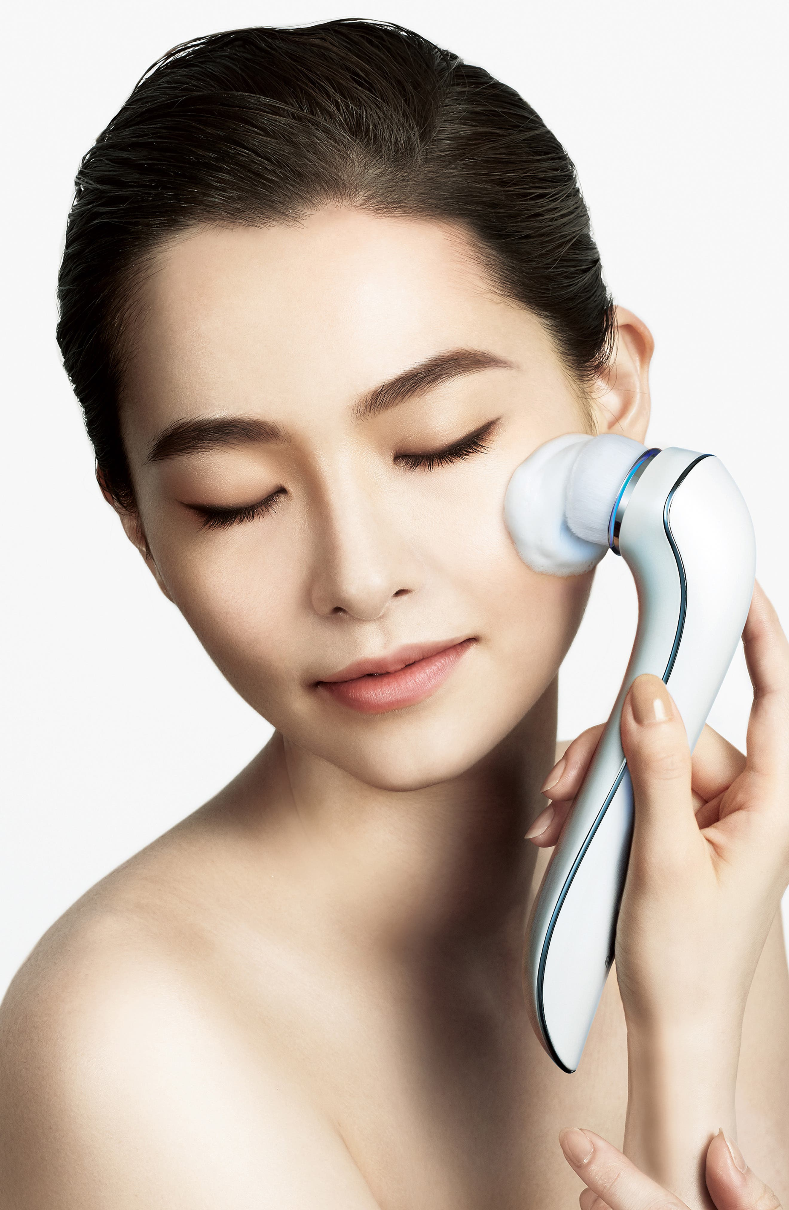 REFA, CLEAR Electric Facial Cleansing Brush, Alternate thumbnail 4, color, 000