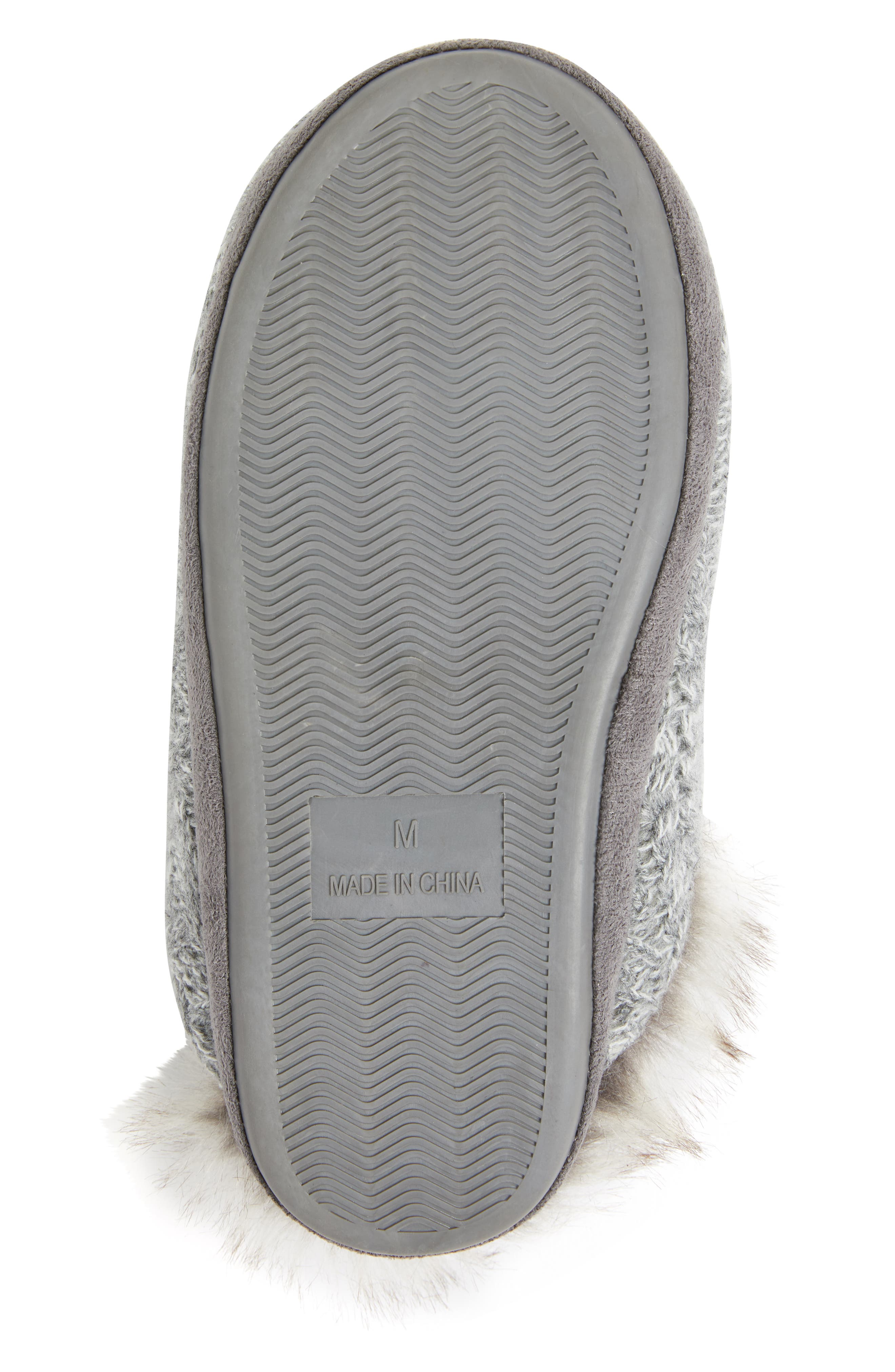 PJ SALVAGE, Faux Fur Trim Cable Knit Slipper, Alternate thumbnail 6, color, HEATHER GREY
