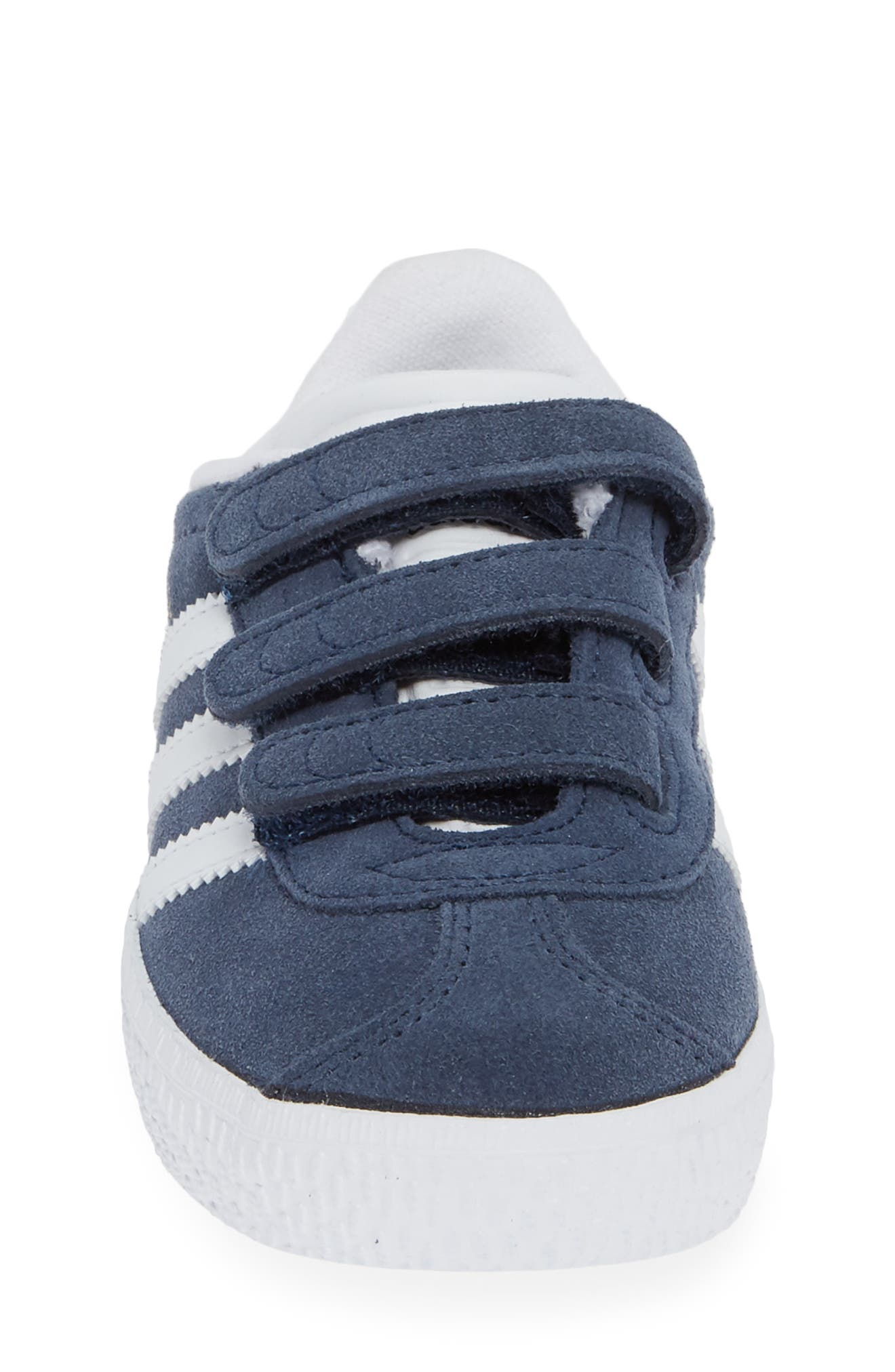 ADIDAS, Gazelle Sneaker, Alternate thumbnail 4, color, NAVY/ WHITE