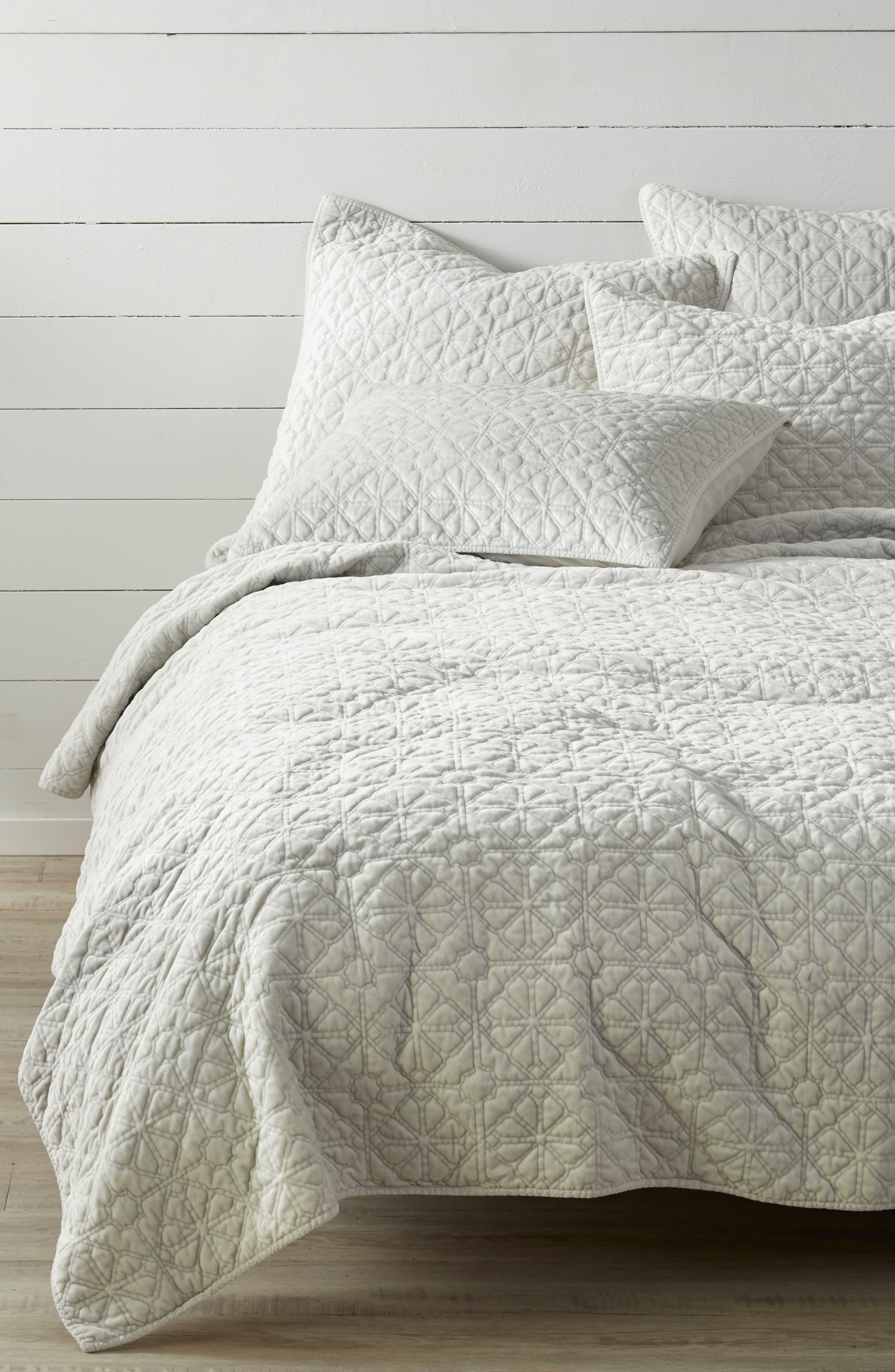 NORDSTROM AT HOME Washed Stitched Quilt, Main, color, GREY VAPOR
