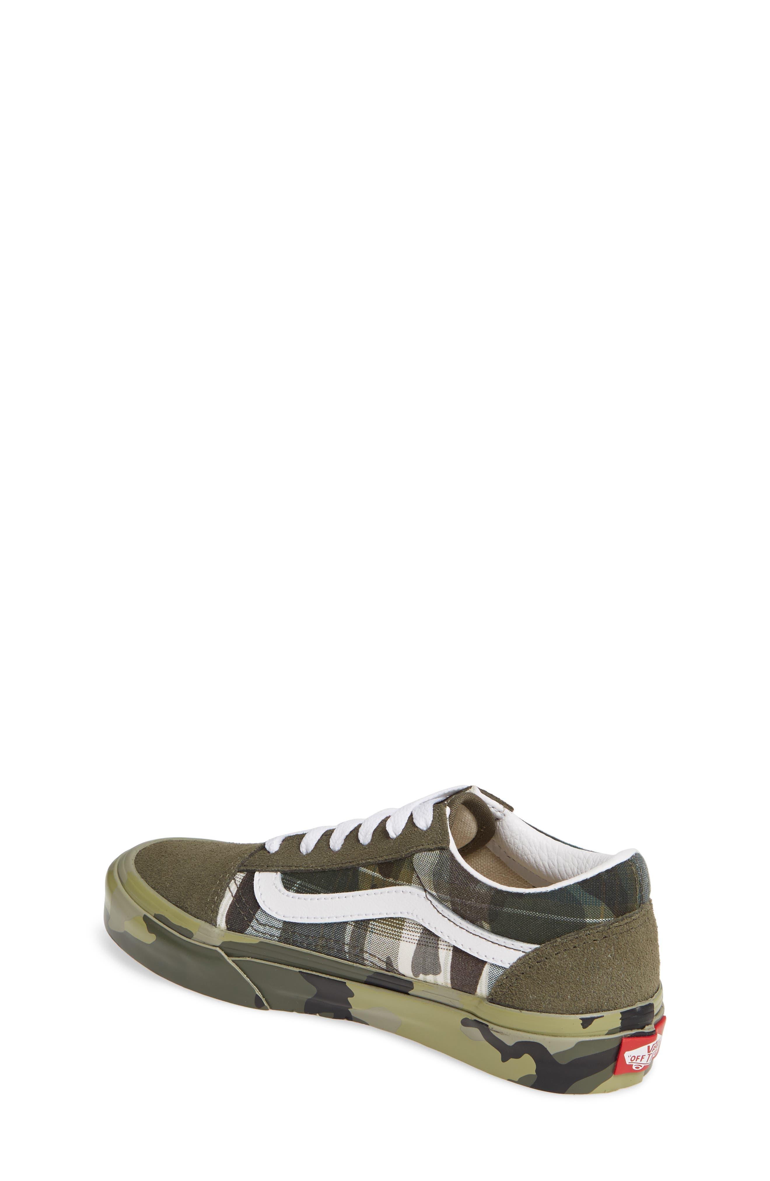 VANS, Old Skool Sneaker, Alternate thumbnail 2, color, PLAID CAMO GRAPE LEAF/ WHITE