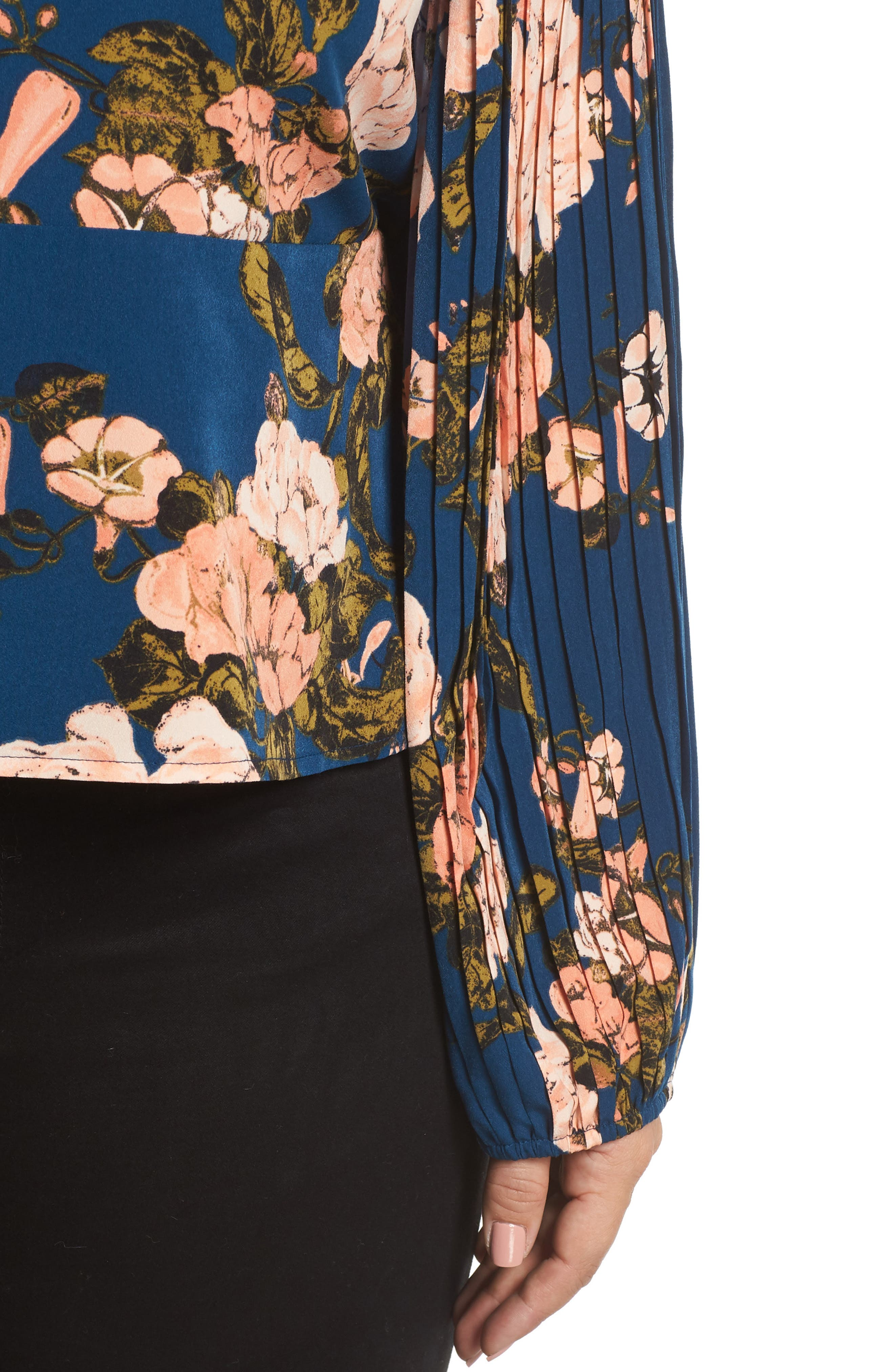 LEITH, Pleated Sleeve Blouse, Alternate thumbnail 4, color, 420