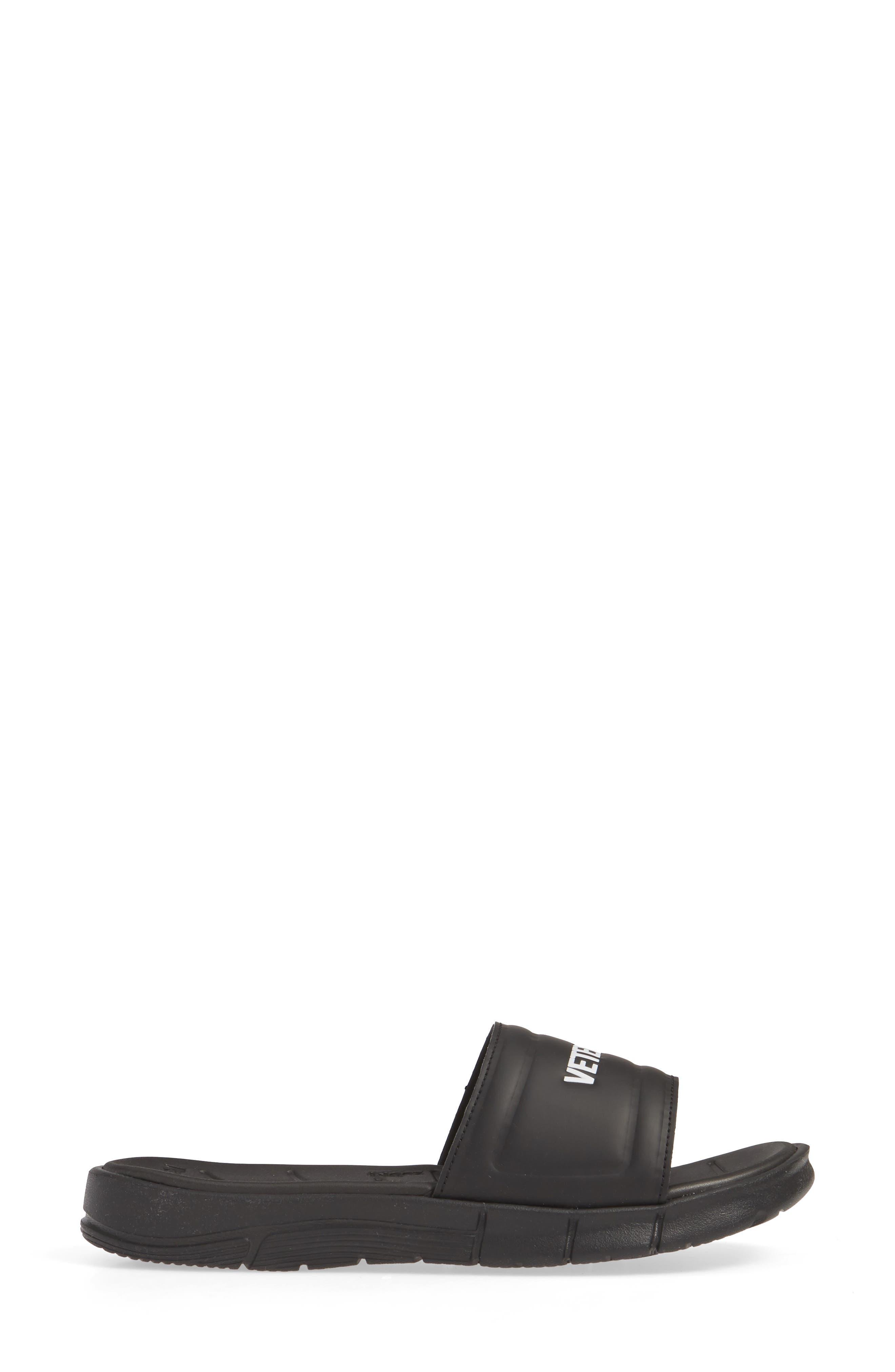 VETEMENTS, x Reebok Logo Slide Sandal, Alternate thumbnail 3, color, BLACK/ WHITE