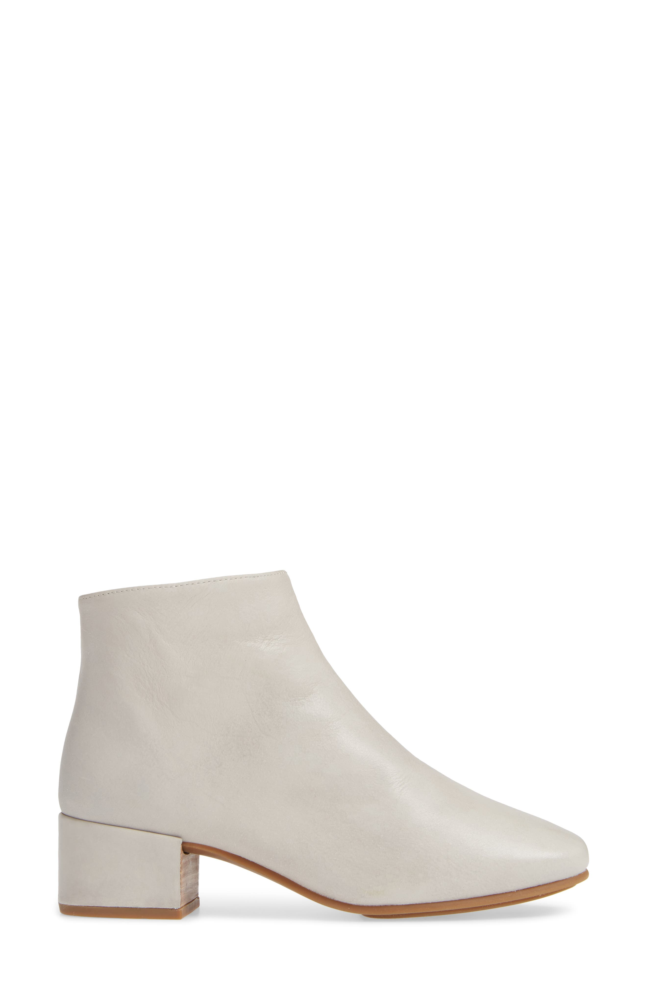 GENTLE SOULS BY KENNETH COLE, Ella Bootie, Alternate thumbnail 3, color, LIGHT GREY LEATHER