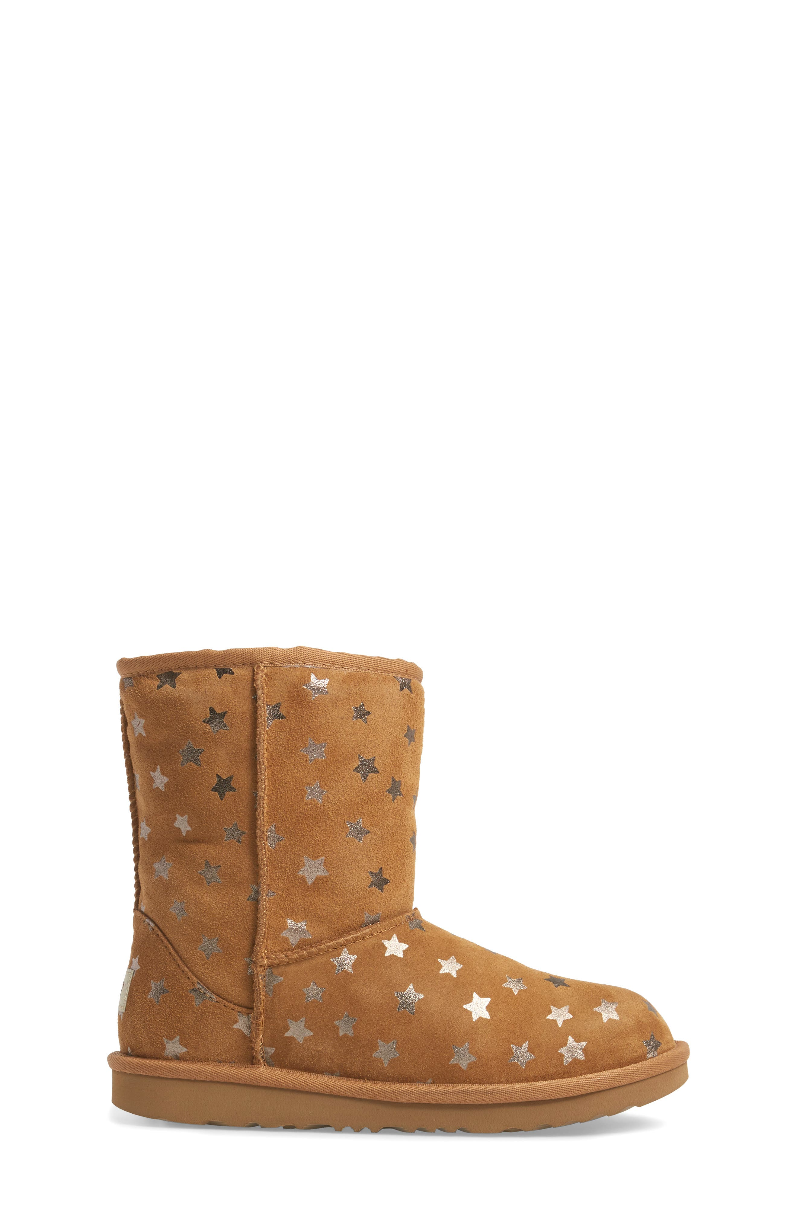 UGG<SUP>®</SUP>, Classic Short II Water Resistant Stars Boot, Alternate thumbnail 3, color, CHESTNUT