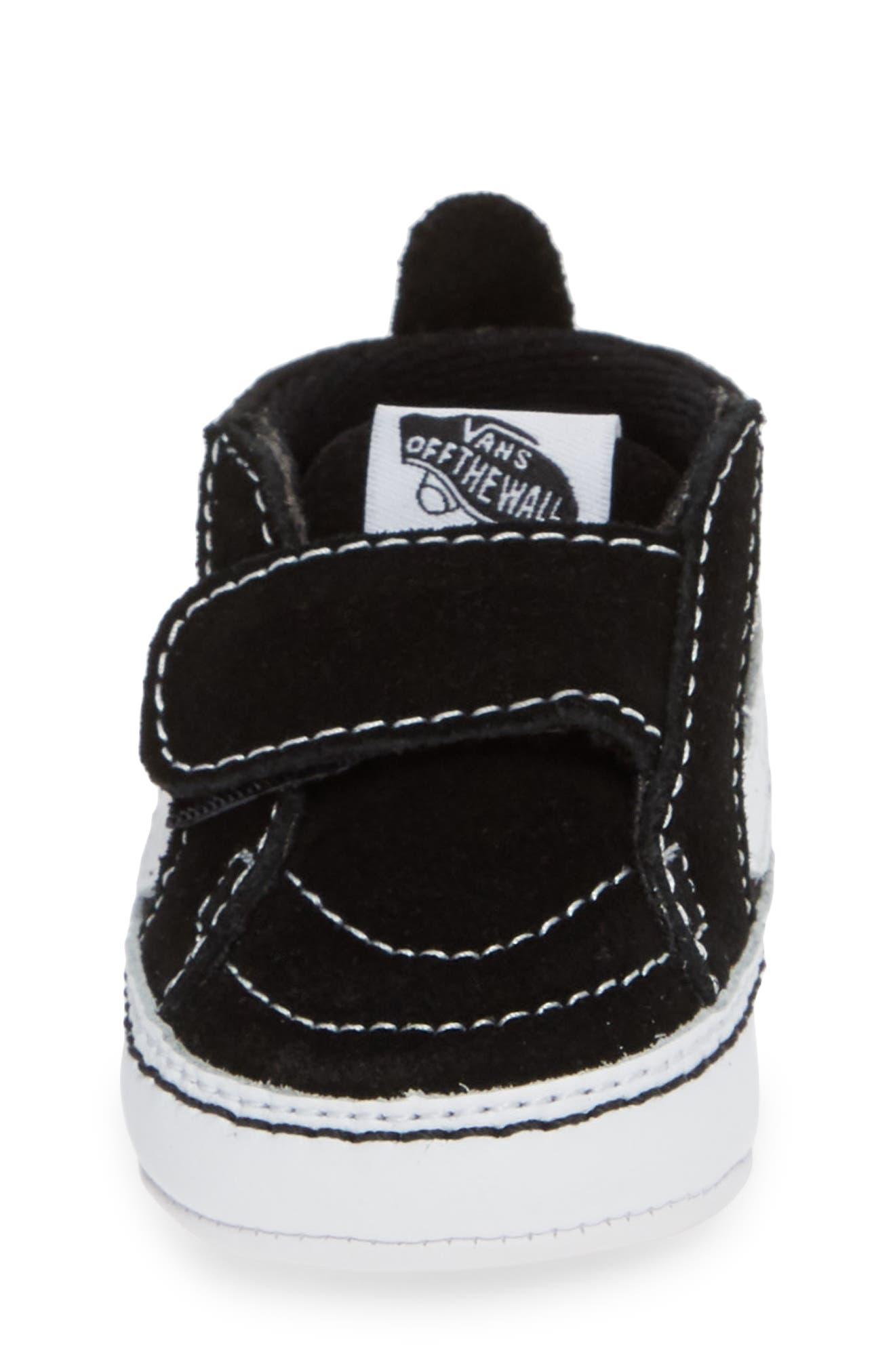VANS, 'SK8-Hi' Crib Sneaker, Alternate thumbnail 4, color, BLACK/TRUE WHITE