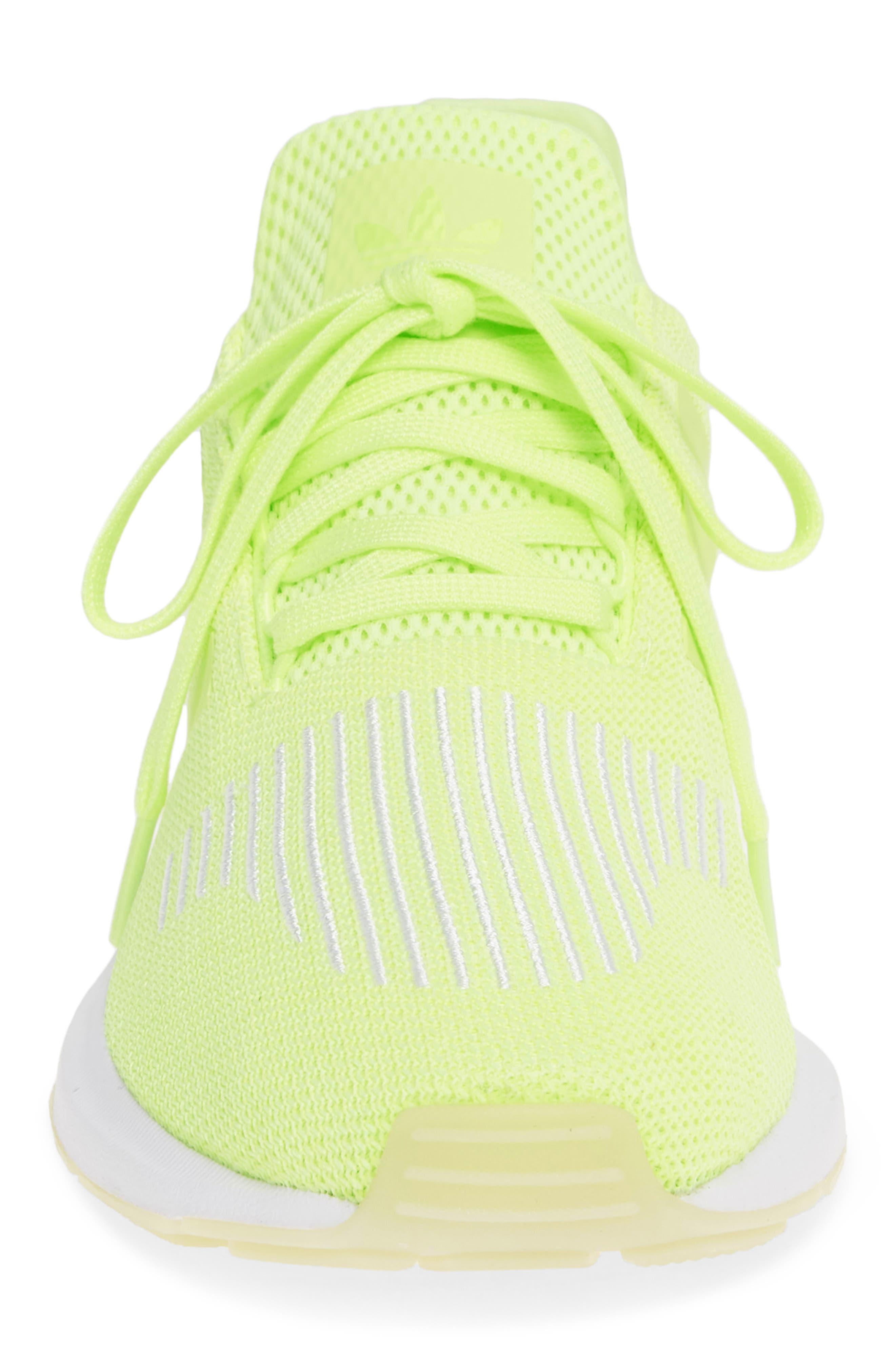 ADIDAS, Swift Run Running Shoe, Alternate thumbnail 4, color, YELLOW/ WHITE