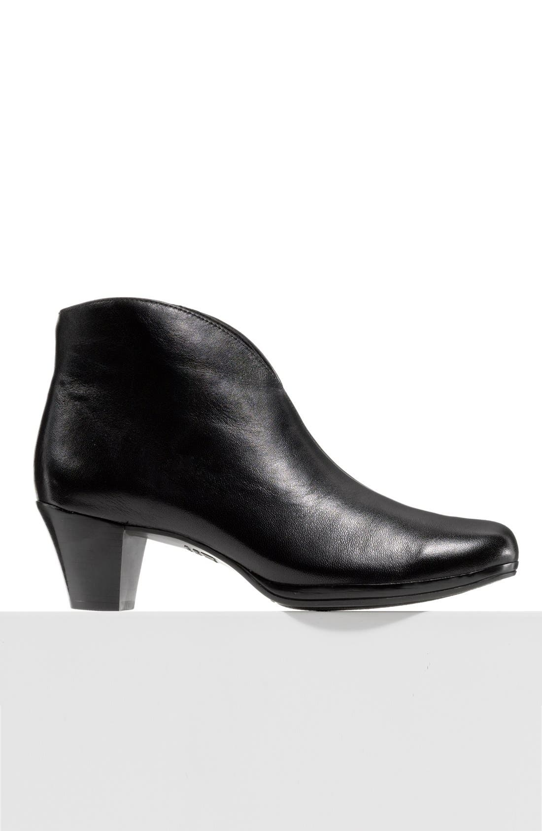 MUNRO, 'Robyn' Boot, Alternate thumbnail 5, color, BLACK LEATHER