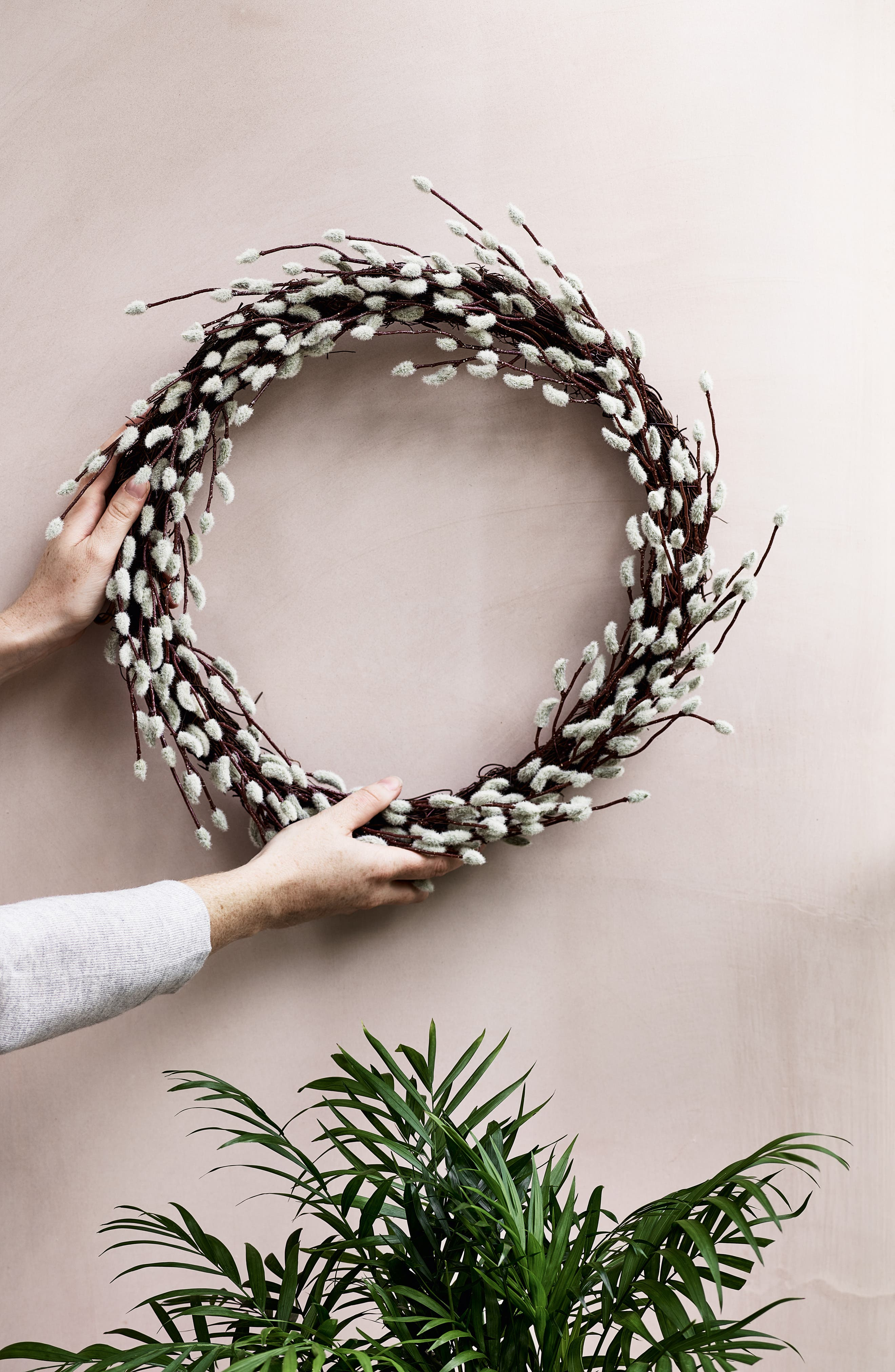 THE WHITE COMPANY, Pussy Willow Wreath, Alternate thumbnail 4, color, NATURAL