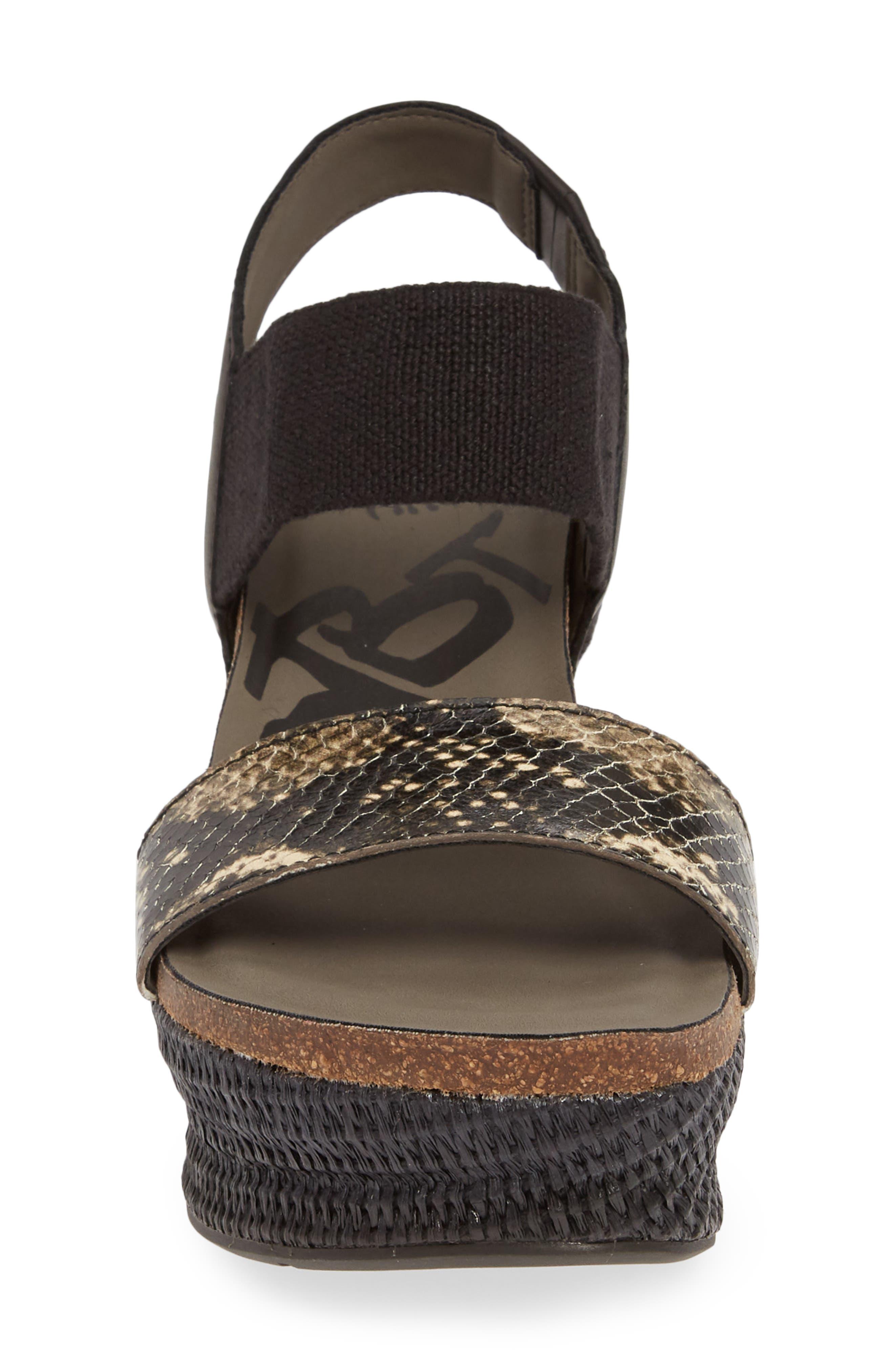 OTBT, 'Bushnell' Wedge Sandal, Alternate thumbnail 4, color, BLACK/ BLACK LEATHER