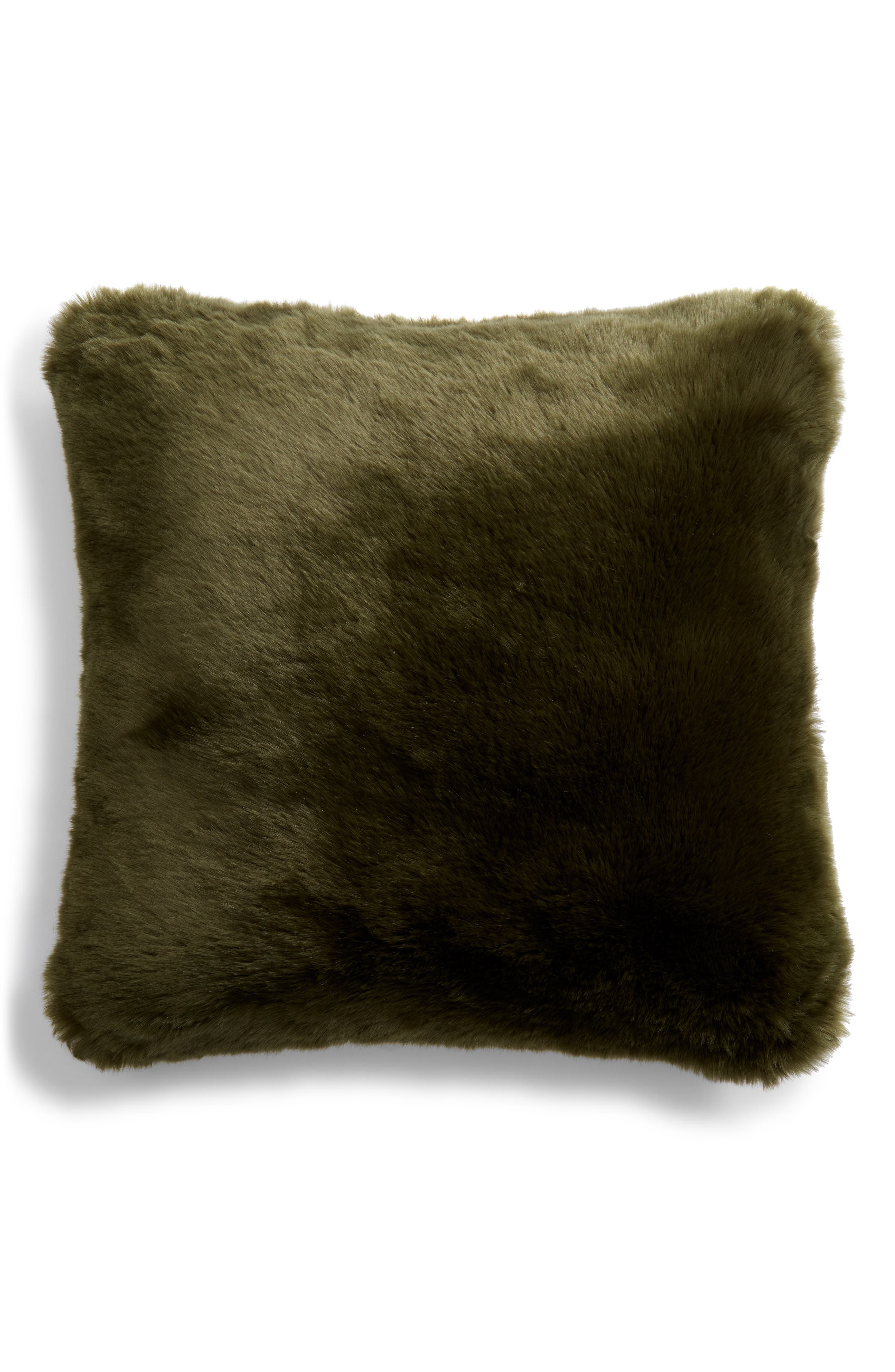 NORDSTROM AT HOME, Cuddle Up Faux Fur Pillow, Alternate thumbnail 2, color, GREEN CYPRESS