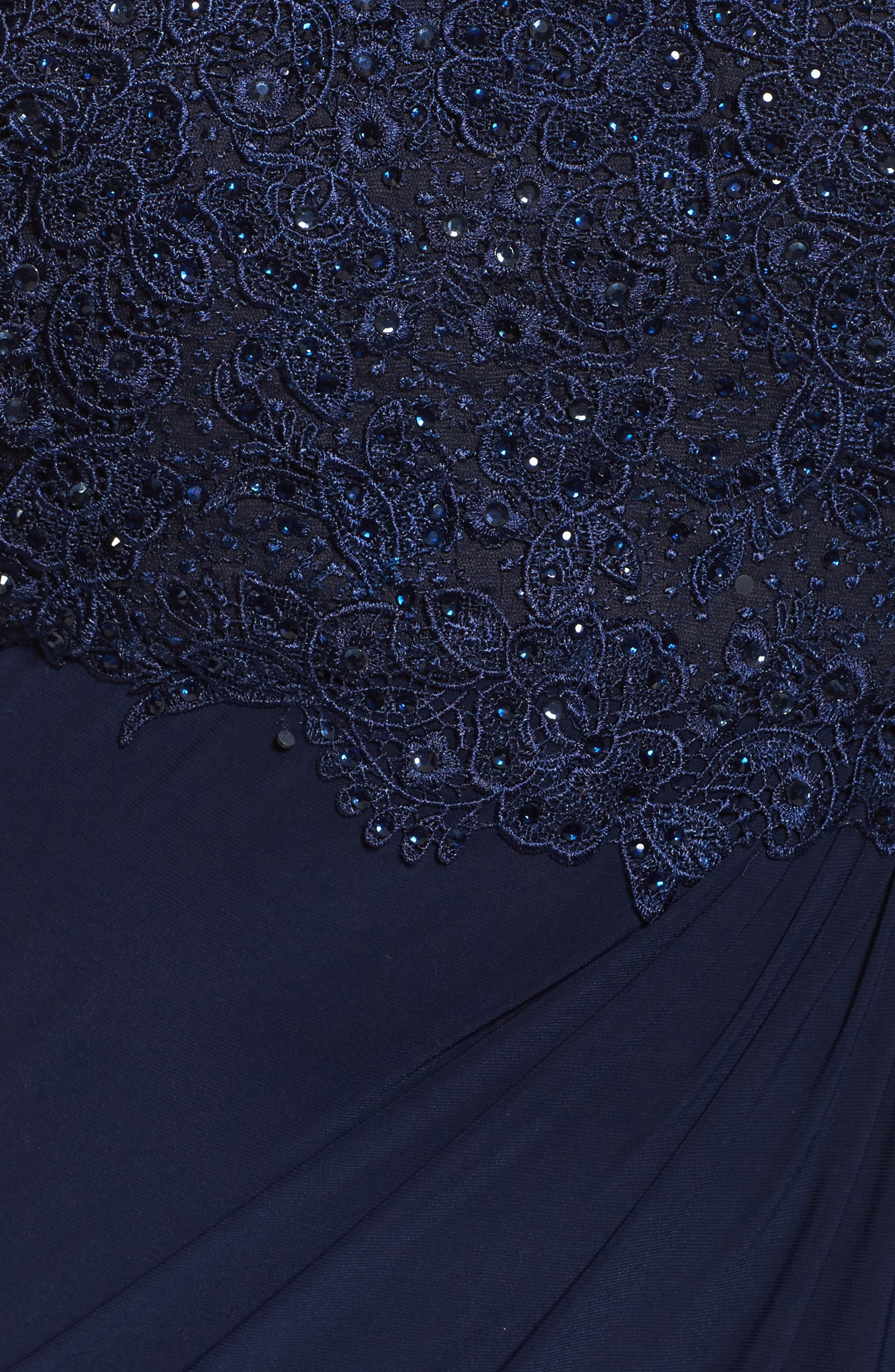 MAC DUGGAL, Lace Capelet Column Gown, Alternate thumbnail 5, color, MIDNIGHT
