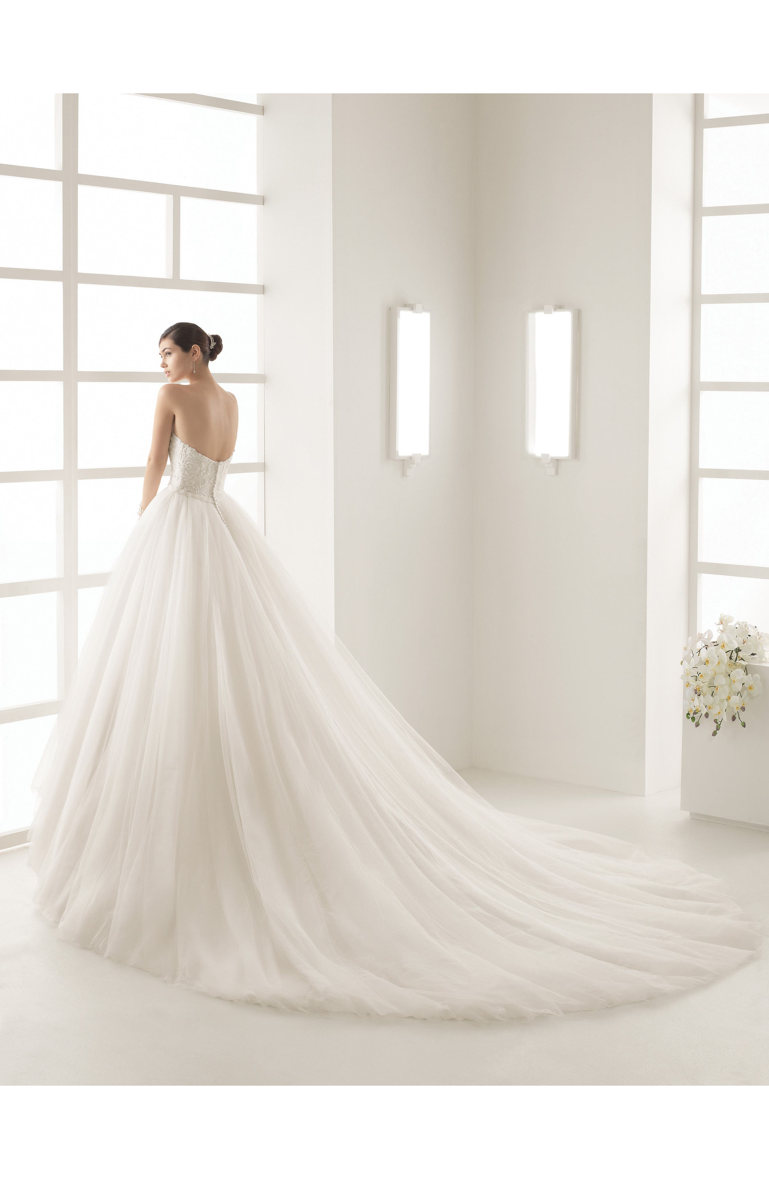ROSA CLARÁ, Olsen Beaded Lace & Tulle Strapless Gown, Alternate thumbnail 2, color, NATURAL