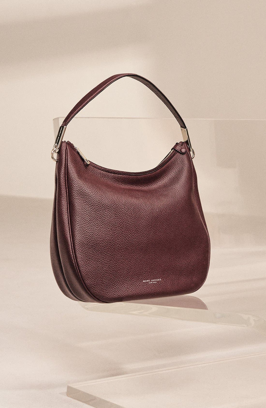 MARC JACOBS, 'Pike Place' Leather Hobo, Alternate thumbnail 5, color, 001