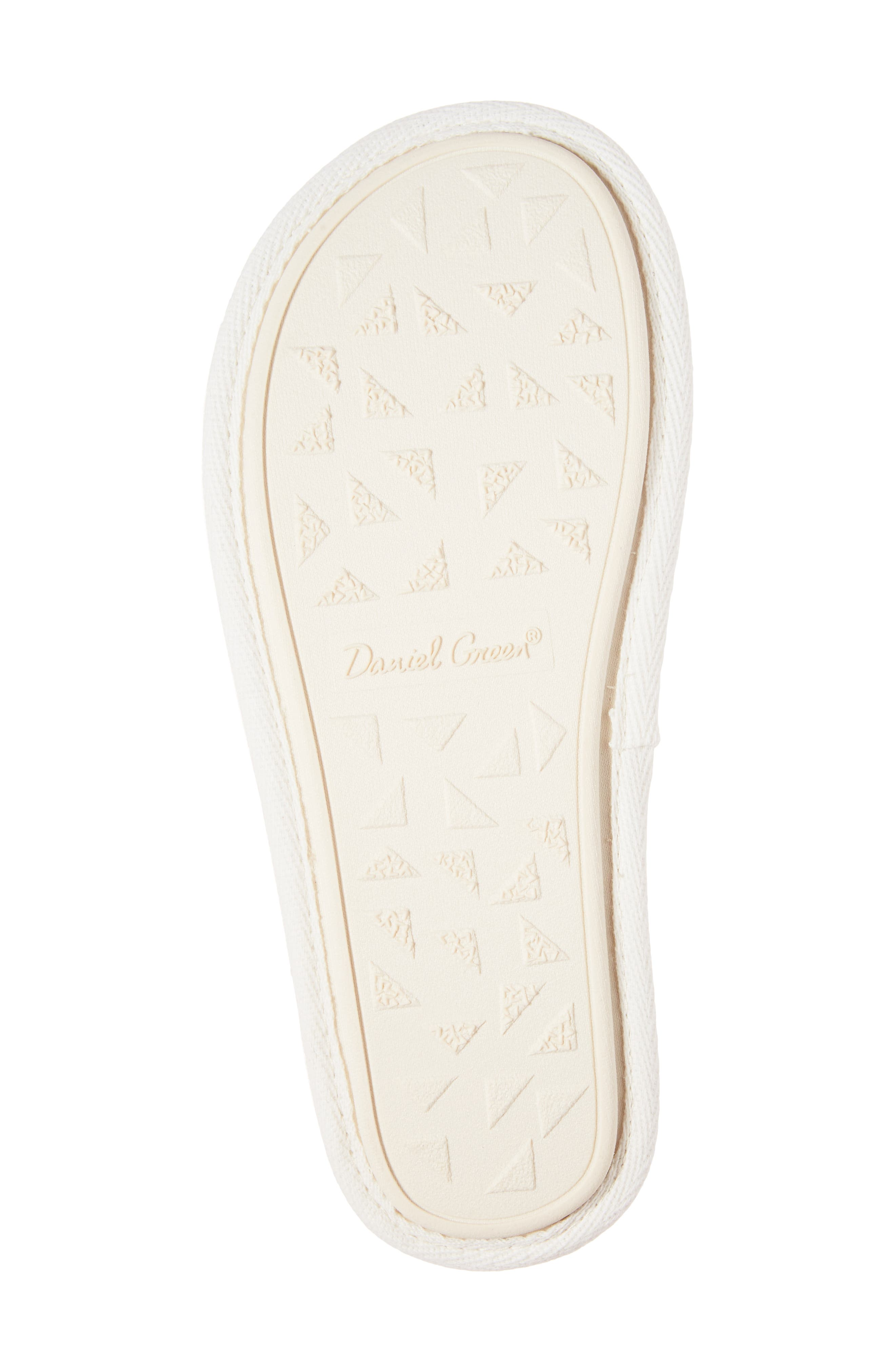 DANIEL GREEN, Rave II Slipper, Alternate thumbnail 6, color, WHITE FABRIC