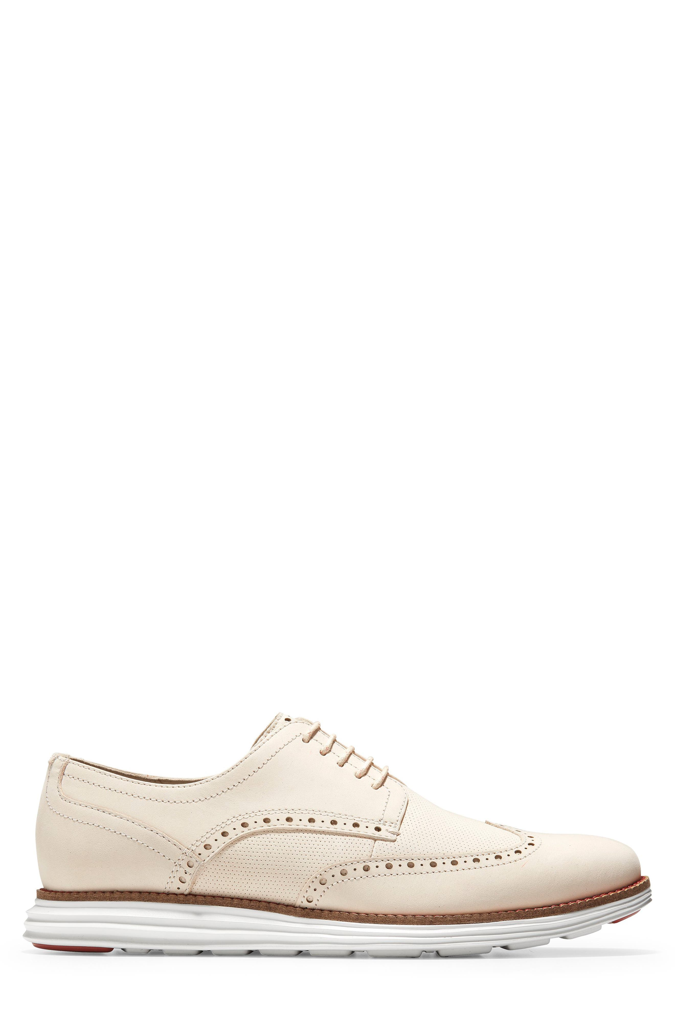 COLE HAAN, Original Grand Wingtip, Alternate thumbnail 3, color, SAND/ OPTIC WHITE NUBUCK