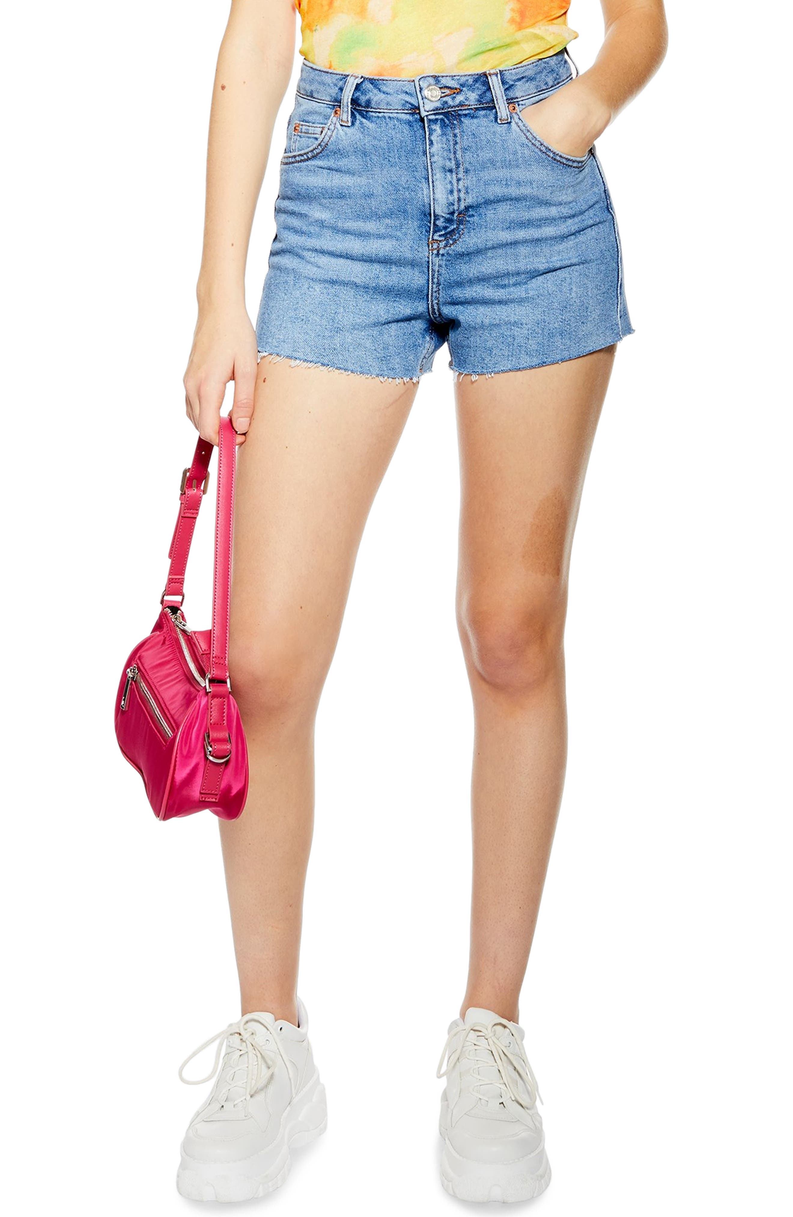 TOPSHOP, Premium Denim Mom Shorts, Main thumbnail 1, color, MID DENIM
