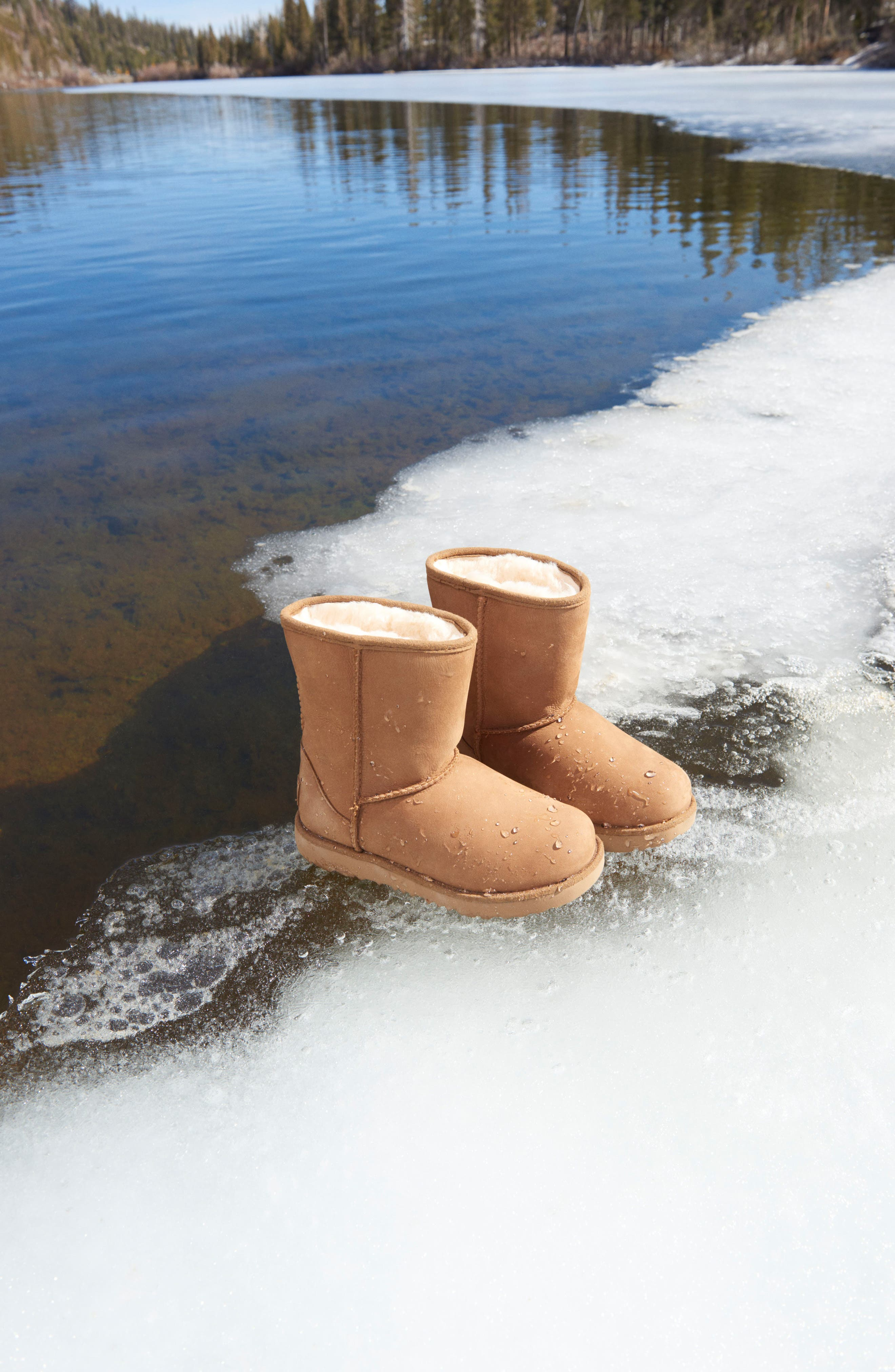 UGG<SUP>®</SUP>, Classic Short II Waterproof Boot, Alternate thumbnail 7, color, CHESTNUT
