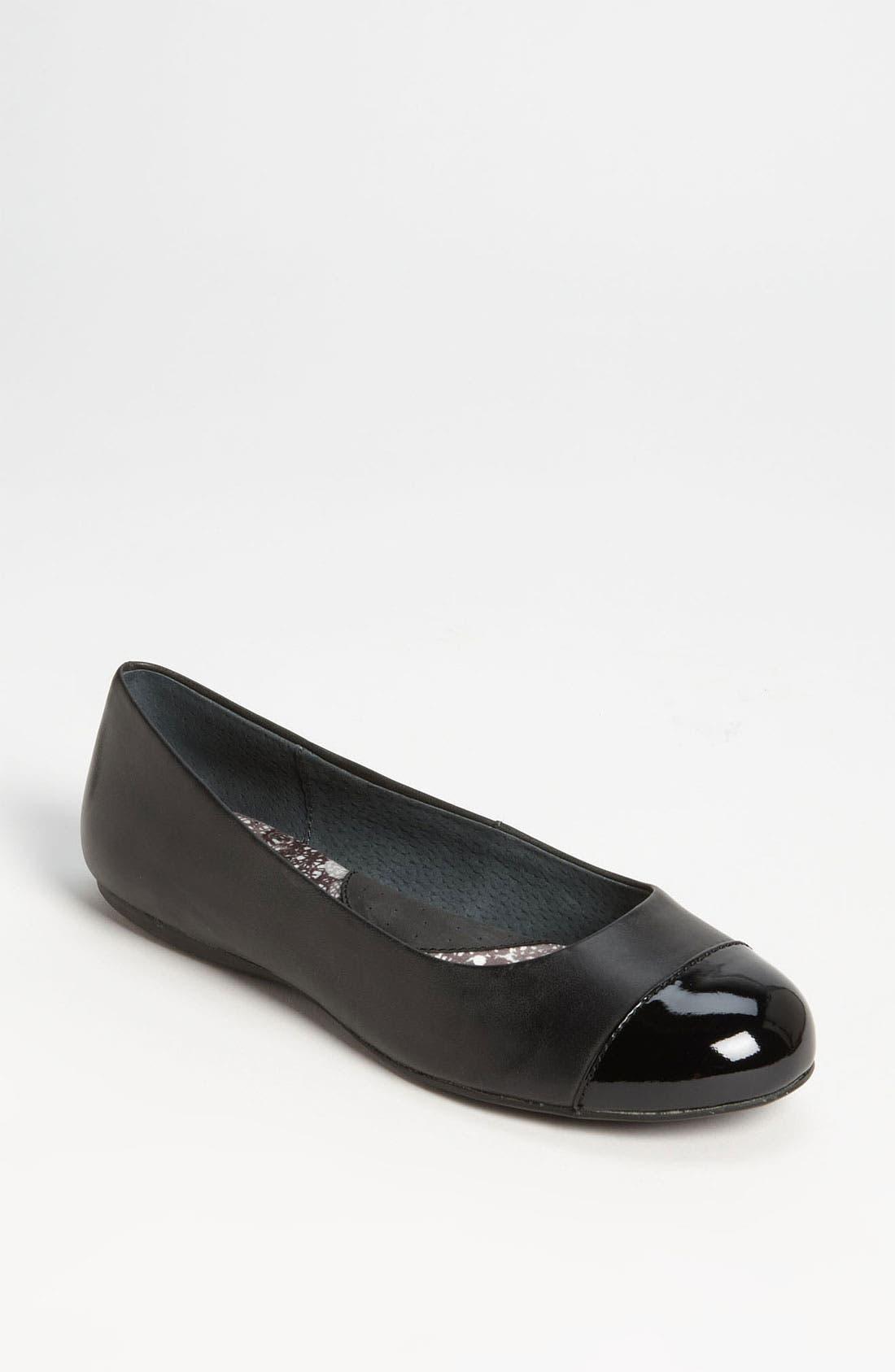 SOFTWALK<SUP>®</SUP> 'Napa' Flat, Main, color, BLACK LEATHER