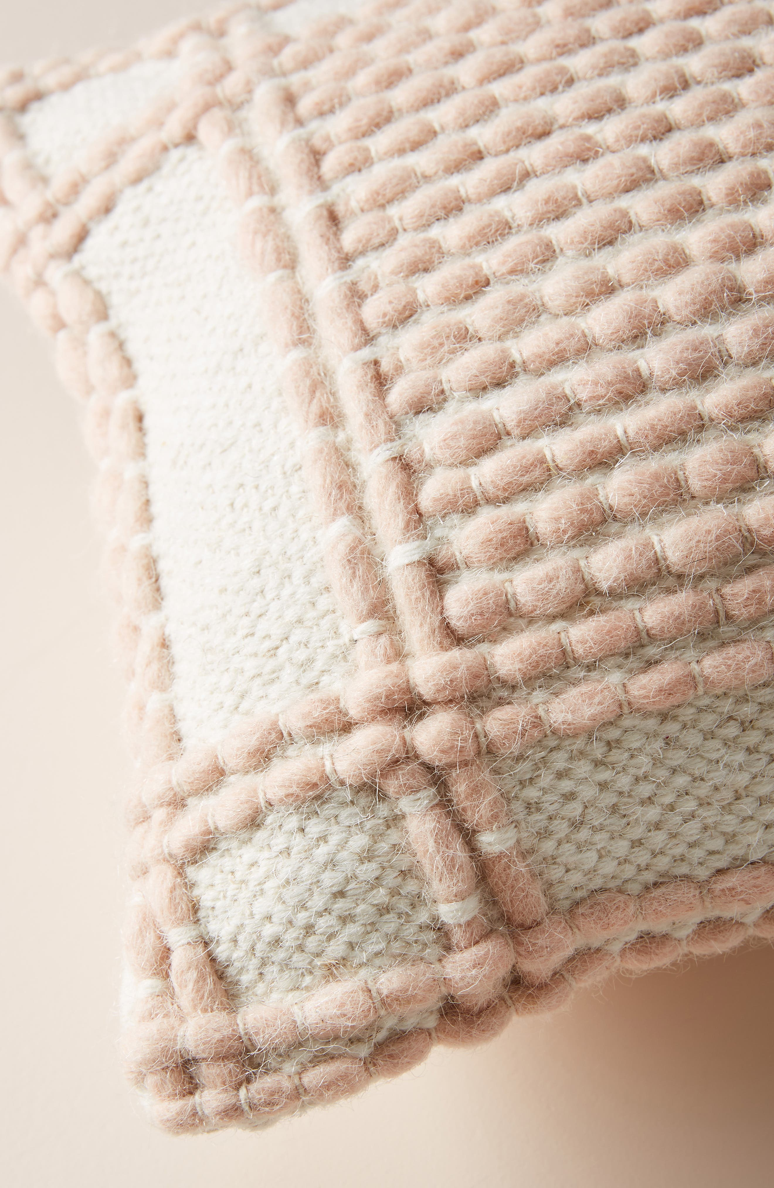 ANTHROPOLOGIE, Evie Bauble Accent Pillow, Alternate thumbnail 3, color, BLUSH