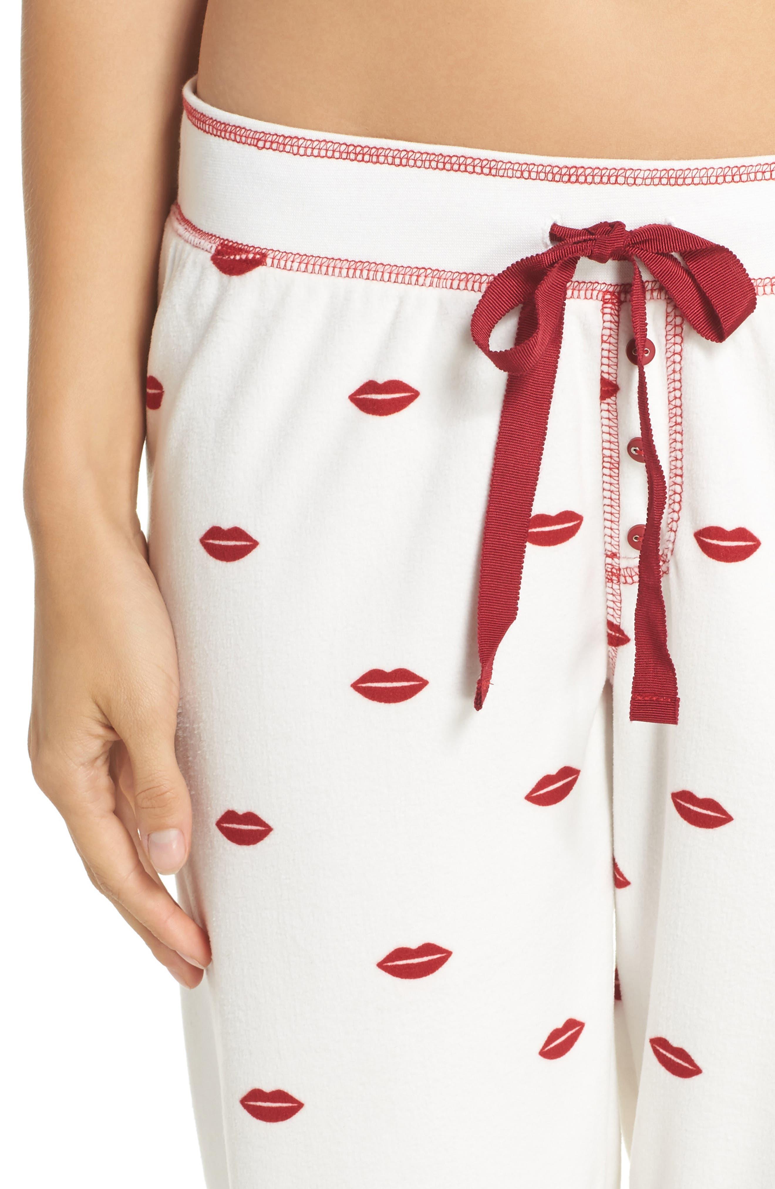 PJ SALVAGE, Lip Print Pajama Pants, Alternate thumbnail 4, color, 900
