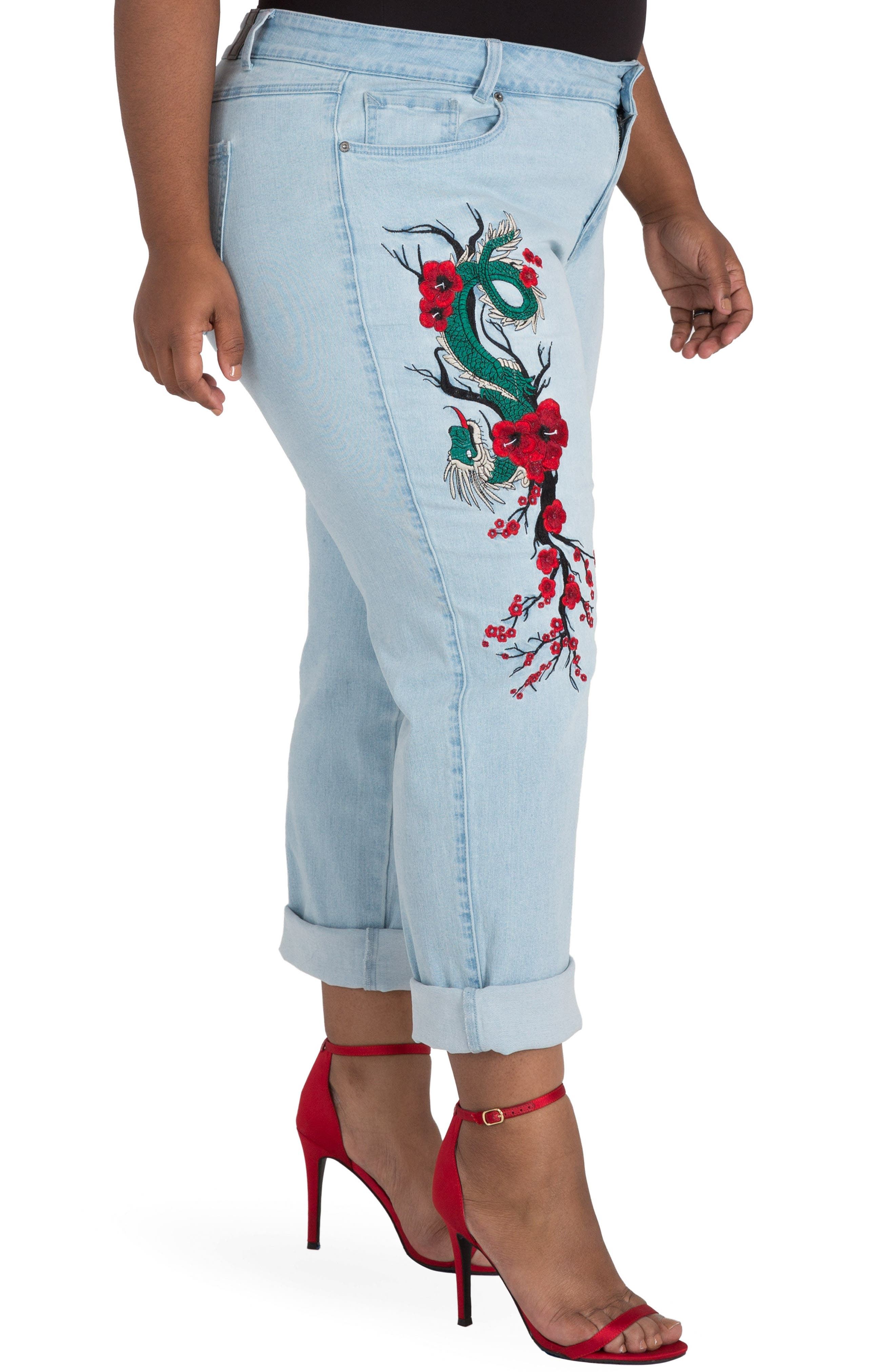 POETIC JUSTICE, Halle Embroidered Jeans, Alternate thumbnail 3, color, MEDIUM BLUE