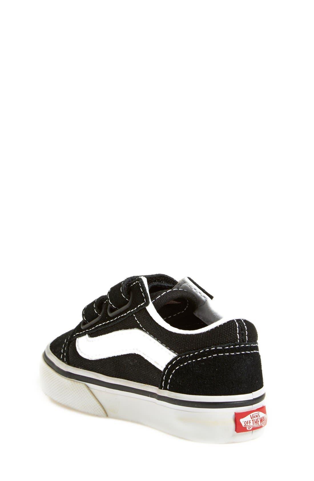 VANS, 'Old Skool V' Sneaker, Alternate thumbnail 5, color, BLACK/ TRUE WHITE