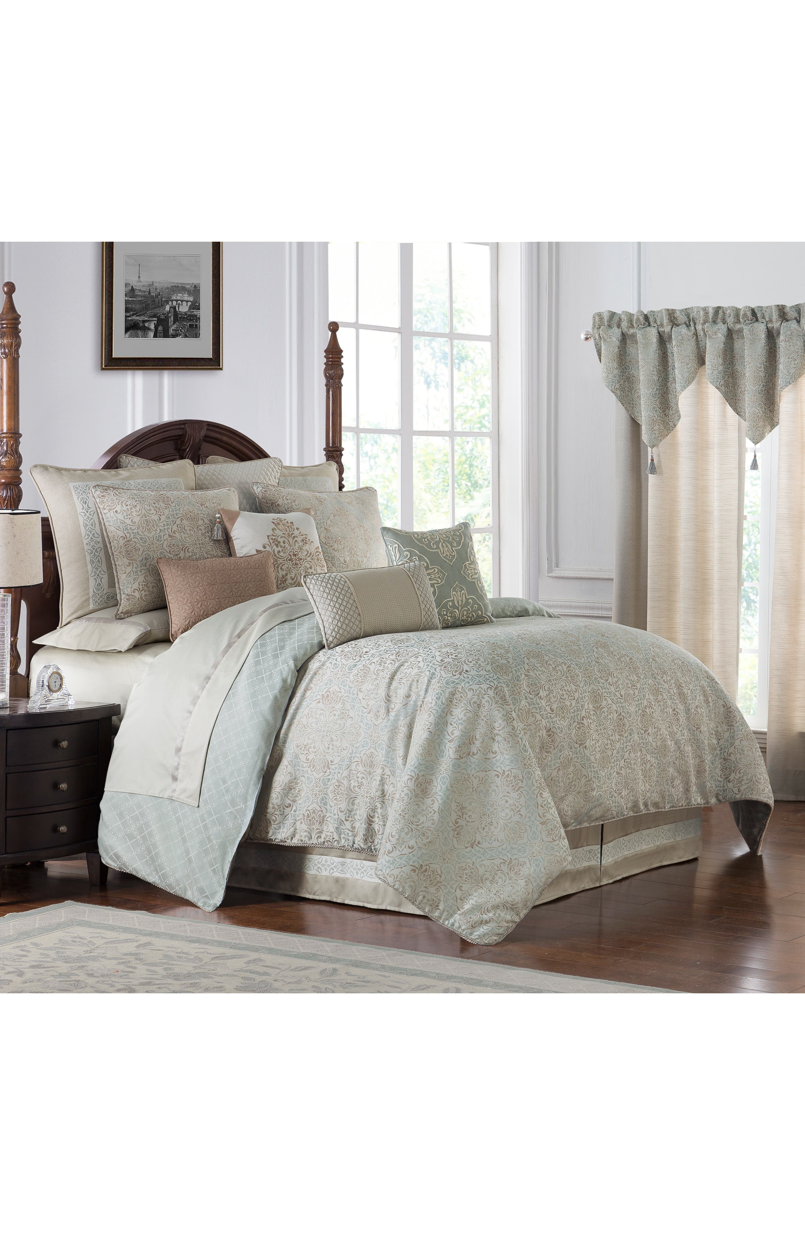 WATERFORD, Gwyneth Reversible Comforter, Sham & Bedskirt Set, Alternate thumbnail 8, color, PALE BLUE