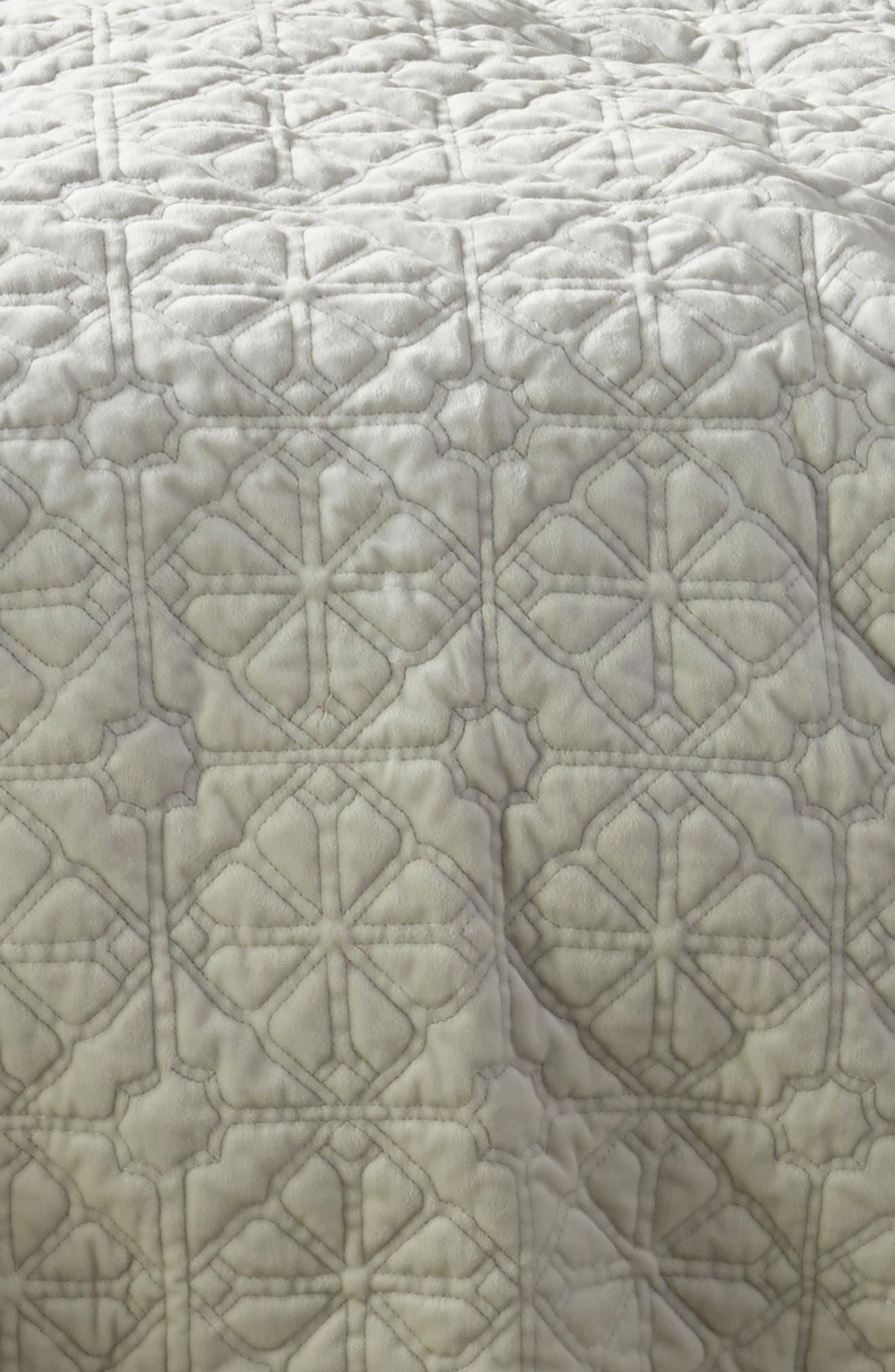 NORDSTROM AT HOME, Washed Stitched Quilt, Alternate thumbnail 2, color, GREY VAPOR