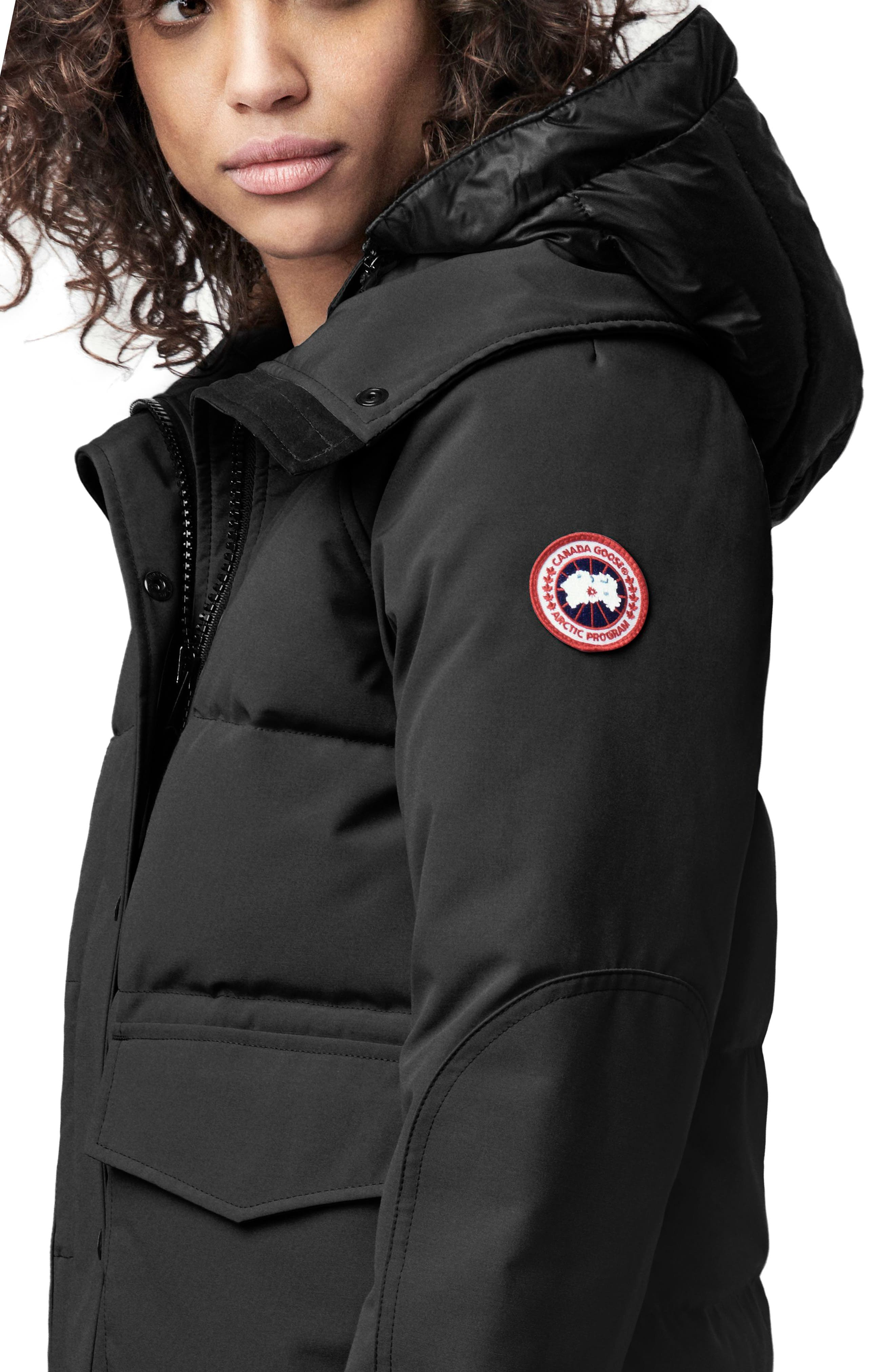 CANADA GOOSE, Deep Cove Arctic Tech Water Resistant 625 Fill Power Down Bomber Jacket, Alternate thumbnail 2, color, BLACK