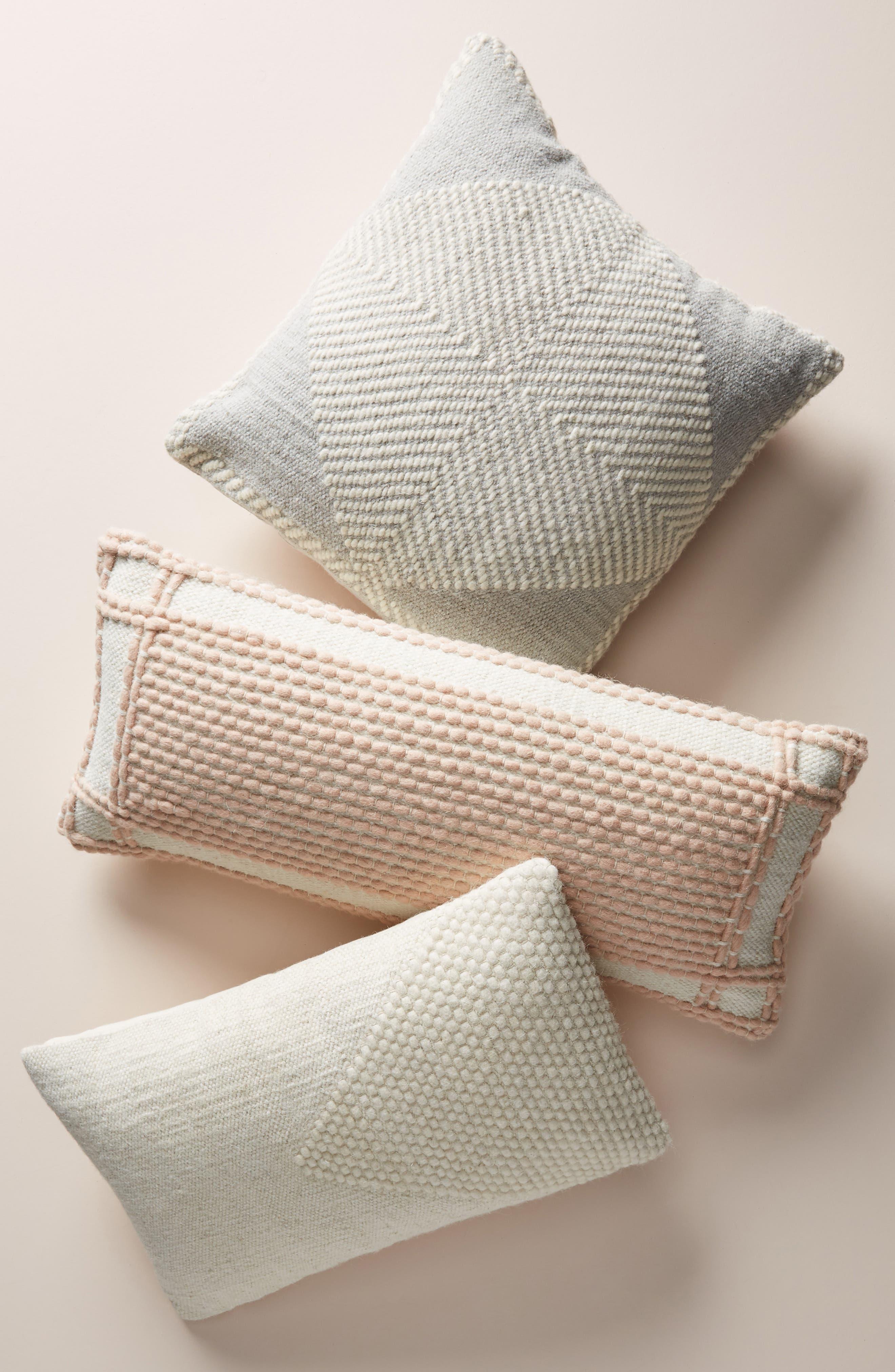 ANTHROPOLOGIE, Evie Bauble Accent Pillow, Alternate thumbnail 4, color, BLUSH